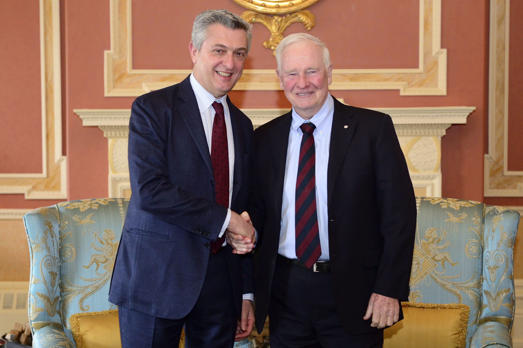 His Excellency the Right Honourable David Johnston, Governor General of Canada, met with His Excellency Filippo Grandi, United Nations High Commissioner for Refugees, at Rideau Hall.