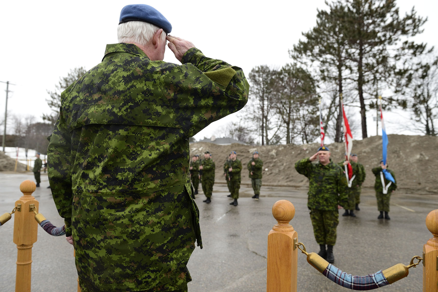 The Governor General inspected the guard of honour. 22 Wing/CFB North Bay is home of the Canadian Air Defence Sector (CADS).