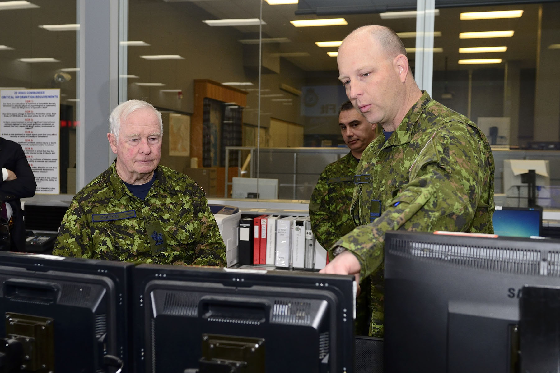 Following this, His Excellency toured the base including the Sector Air Operations Centre that is part of Canada's commitment with NORAD.