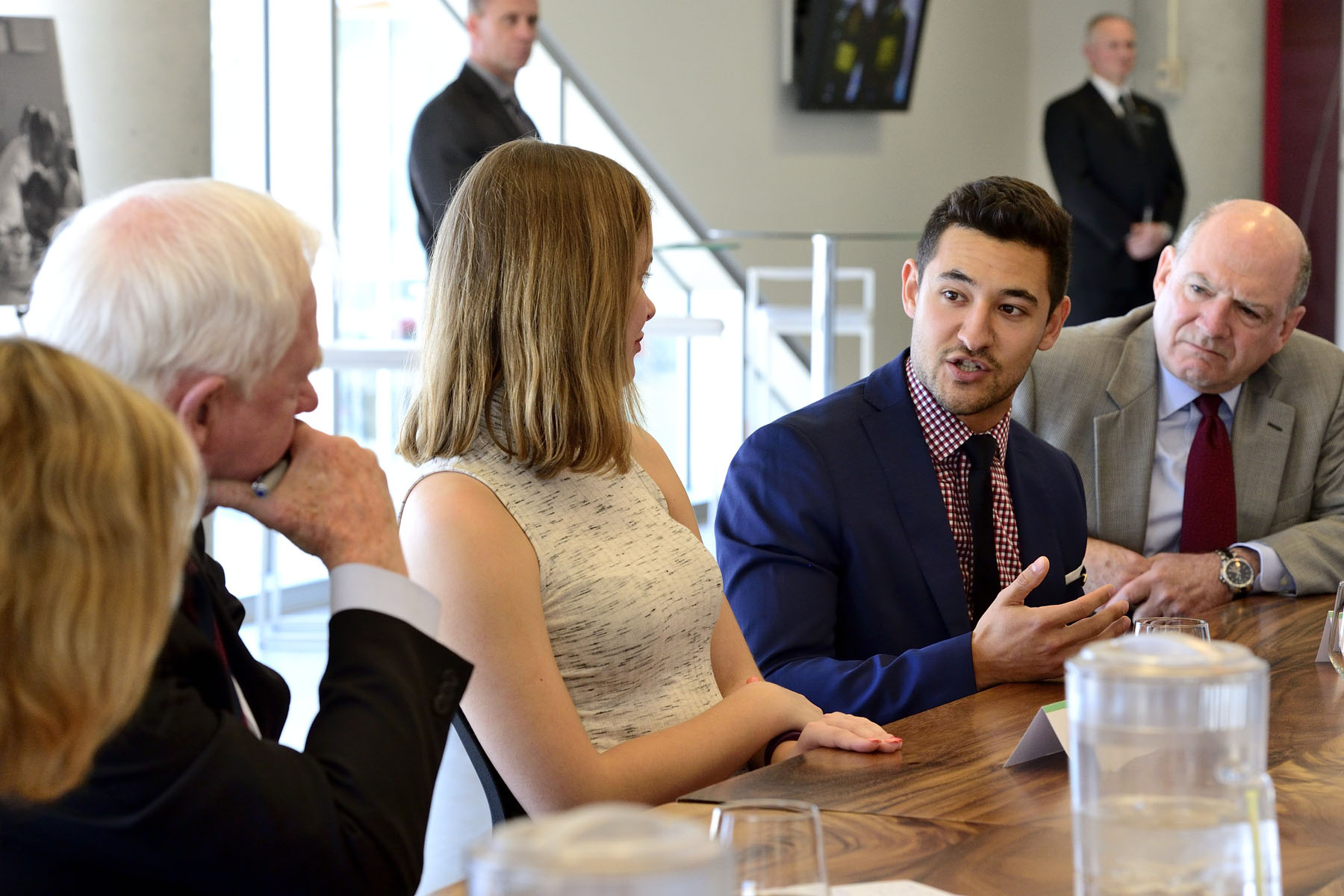 The Governor General met with students involved with Algonquin College's Volunteer Centre and participated in a round-table discussion about the students' volunteer experiences.