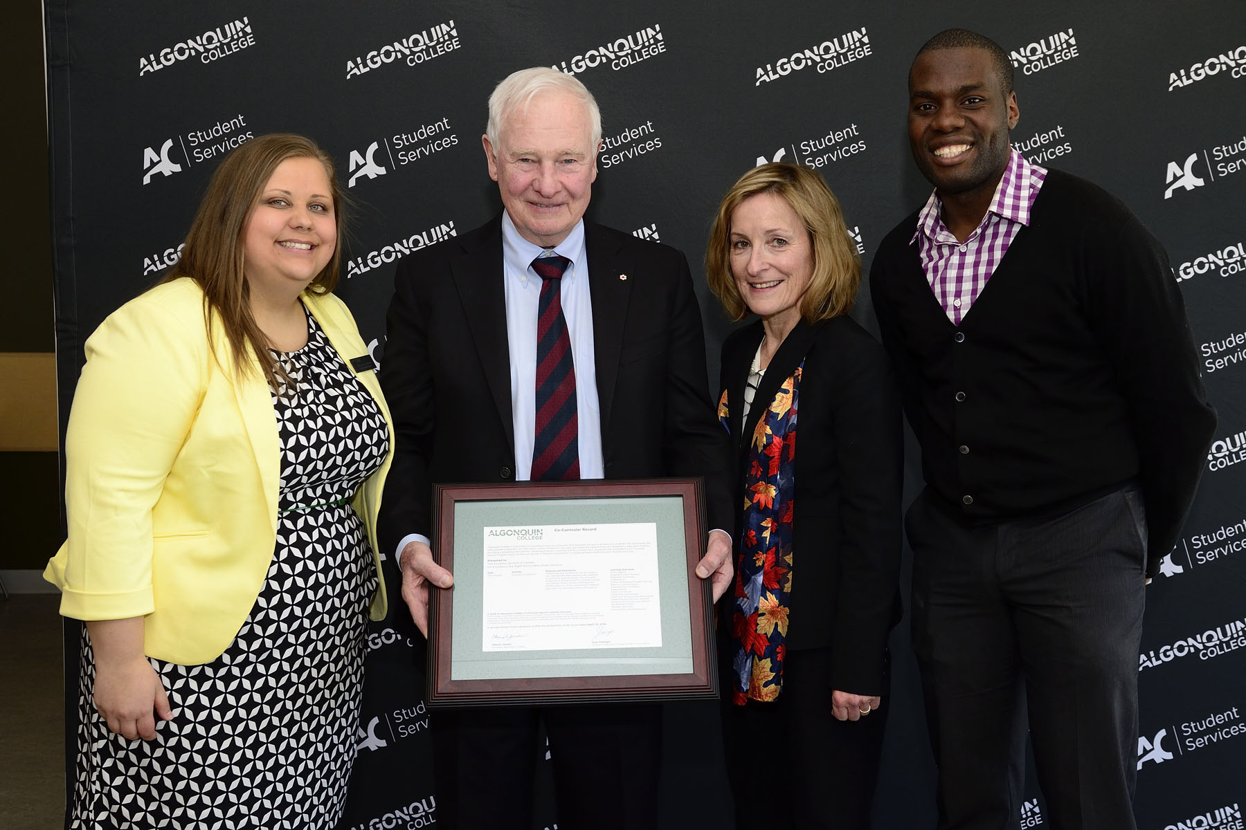 The Governor General was presented with an honorary Co-Curricular Record, acknowledging his volunteer contributions.
