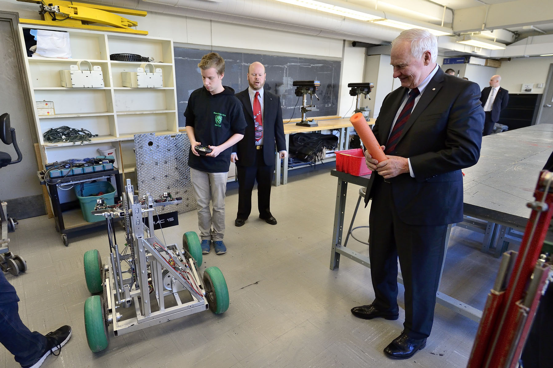During this visit, His Excellency also stopped by the robotics room at Macdonald High School.