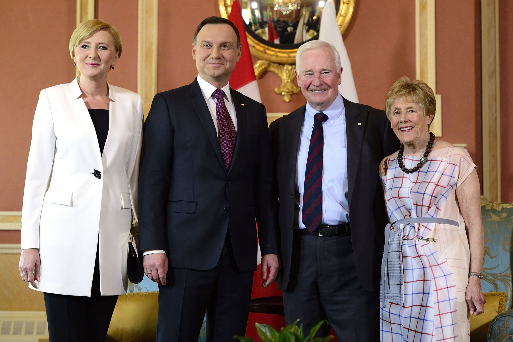 Their Excellencies the Right Honourable David Johnston, Governor General of Canada, and Mrs. Sharon Johnston met with His Excellency Andrzej Duda, President of the Republic of Poland, and Mrs. Agata Kornhauser-Duda at Rideau Hall, on May 11, 2016.