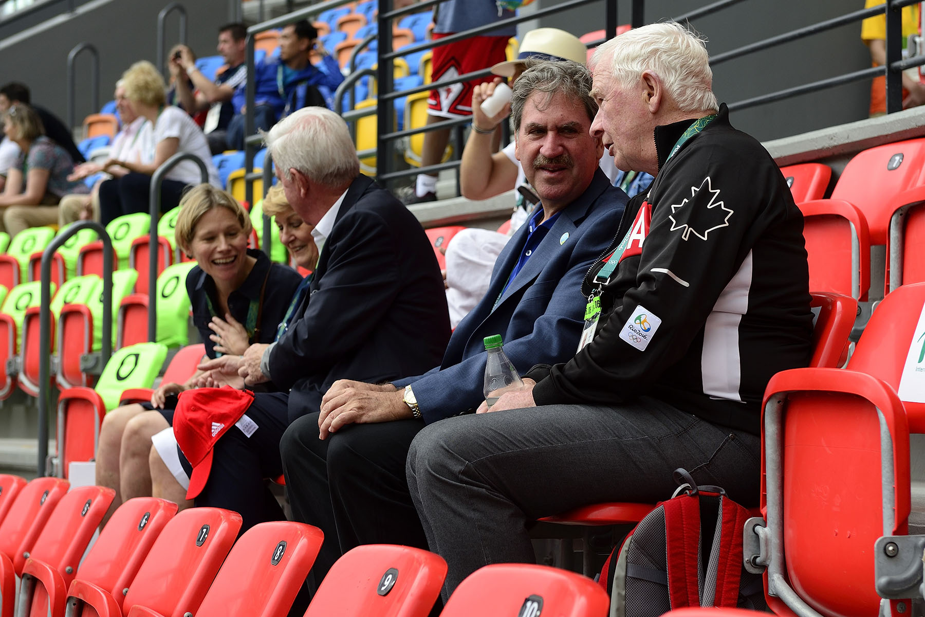 During a tennis match, the Governor General had a chat with David Haggerty, President of the International Tennis Federation.