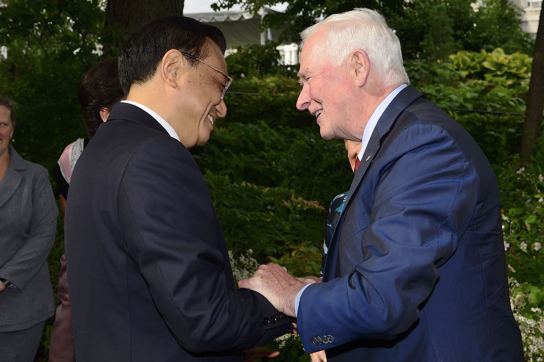 His Excellency the Right Honourable David Johnston, Governor General of Canada, met with His Excellency Li Keqiang, Premier of the State Council of the People's Republic of China, on September 22, 2016.
