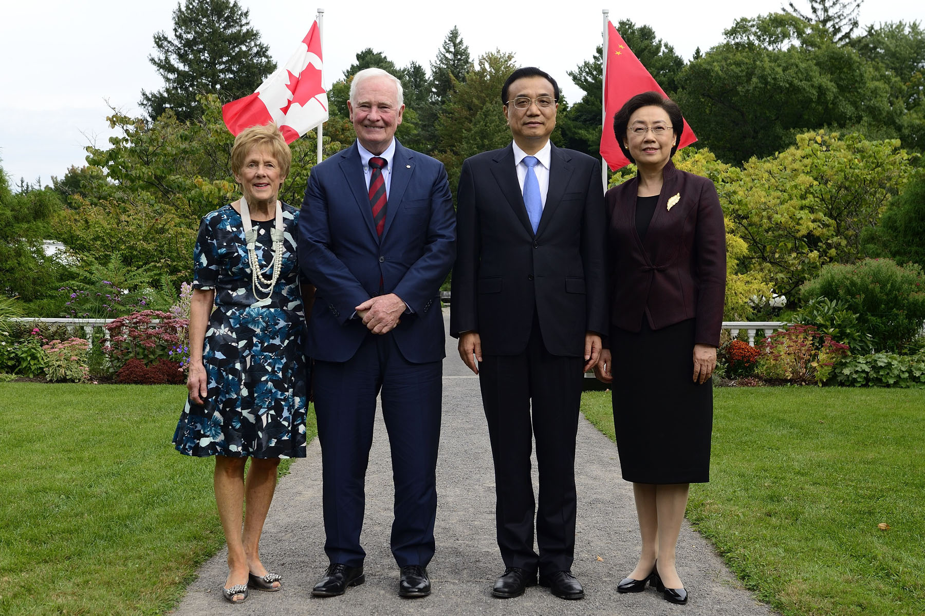 Premier Li and madam Cheng were conducting an official visit to Canada from September 21 to 24, 2016.