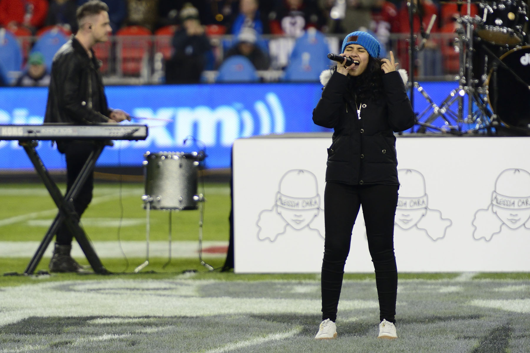 His Excellency the Right Honourable David Johnston, Governor General of Canada, attended the 104th Grey Cup championship game at BMO Field, in Toronto, on November 27, 2016. Canadian singer-songwriter, Alessia Cara performed at the kickoff show.