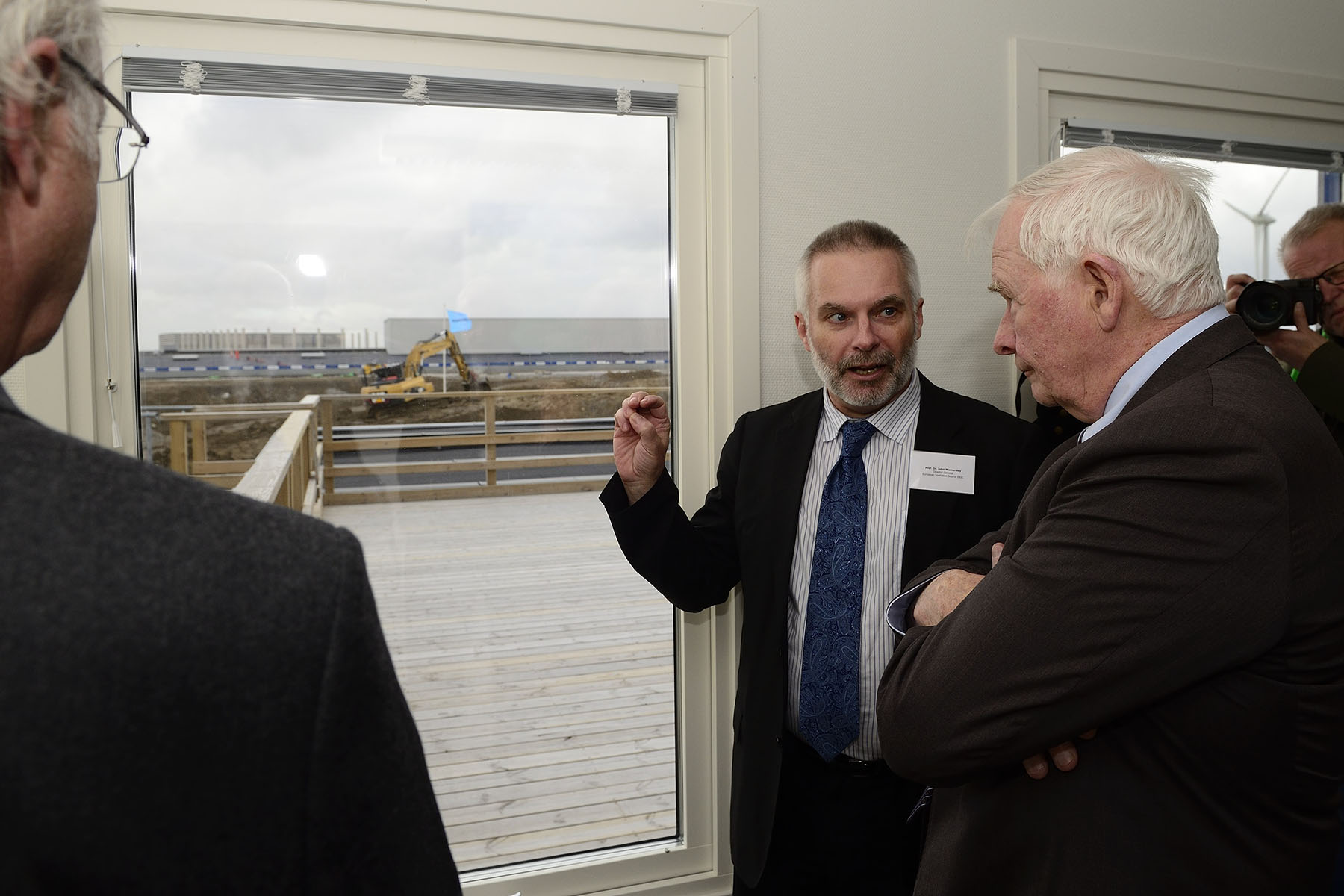 In the afternoon, the Governor General and the Canadian delegates travelled to Lund, where they visited the construction site of the European Spallation Source (ESS), one of the largest science infrastructure projects being built in Europe today based on the world's most powerful neutron source.