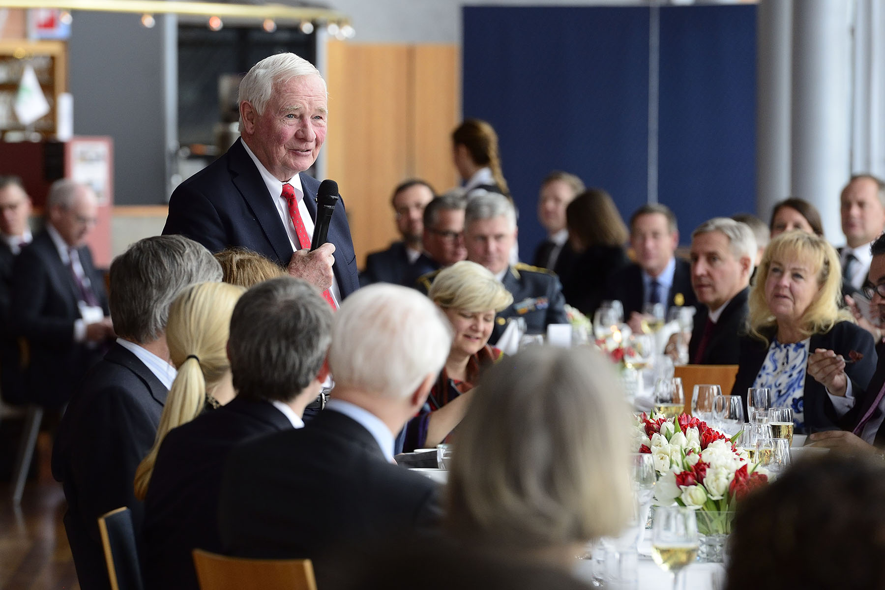 During the working luncheon, the Governor General delivered remarks.