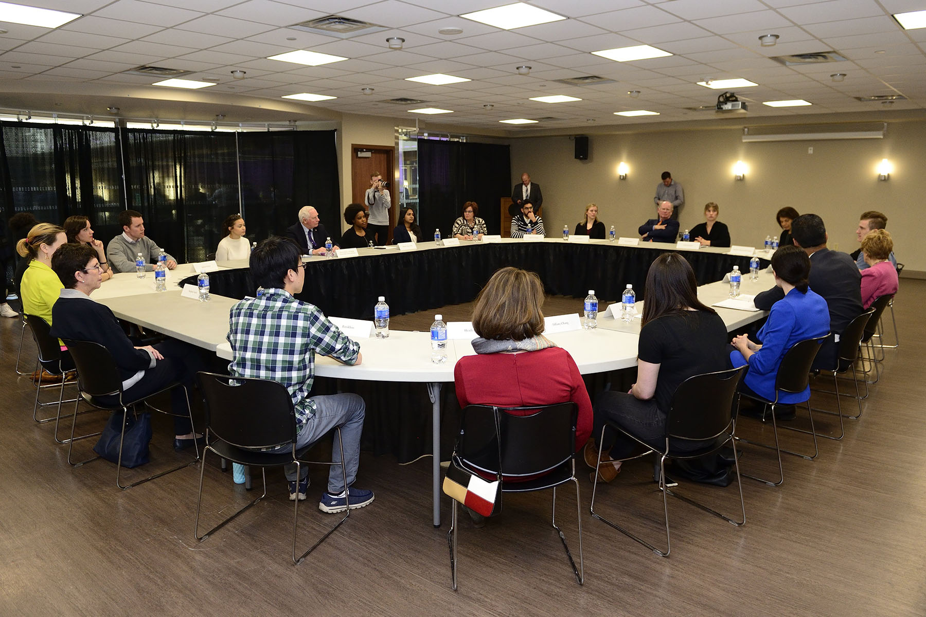 Afterwards, Their Excellencies visited Western University's new Wellness Education Centre and participated in a round-table discussion on health and wellness with staff coordinators, student volunteers, and students who are benefiting from its services.