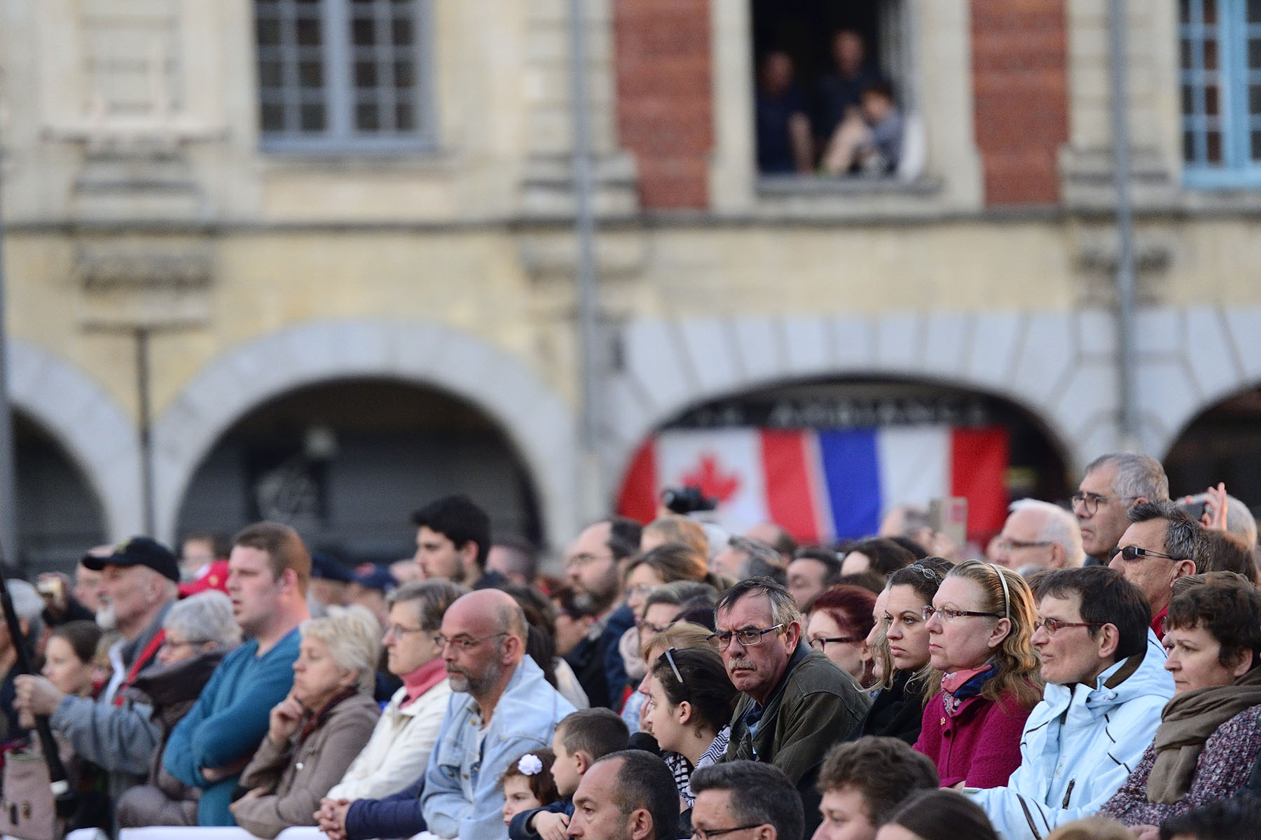 The concert was hosted by the Government of Canada and the City of Arras to honour and remember our Canadian soldiers' achievements and sacrifices during the First World War.