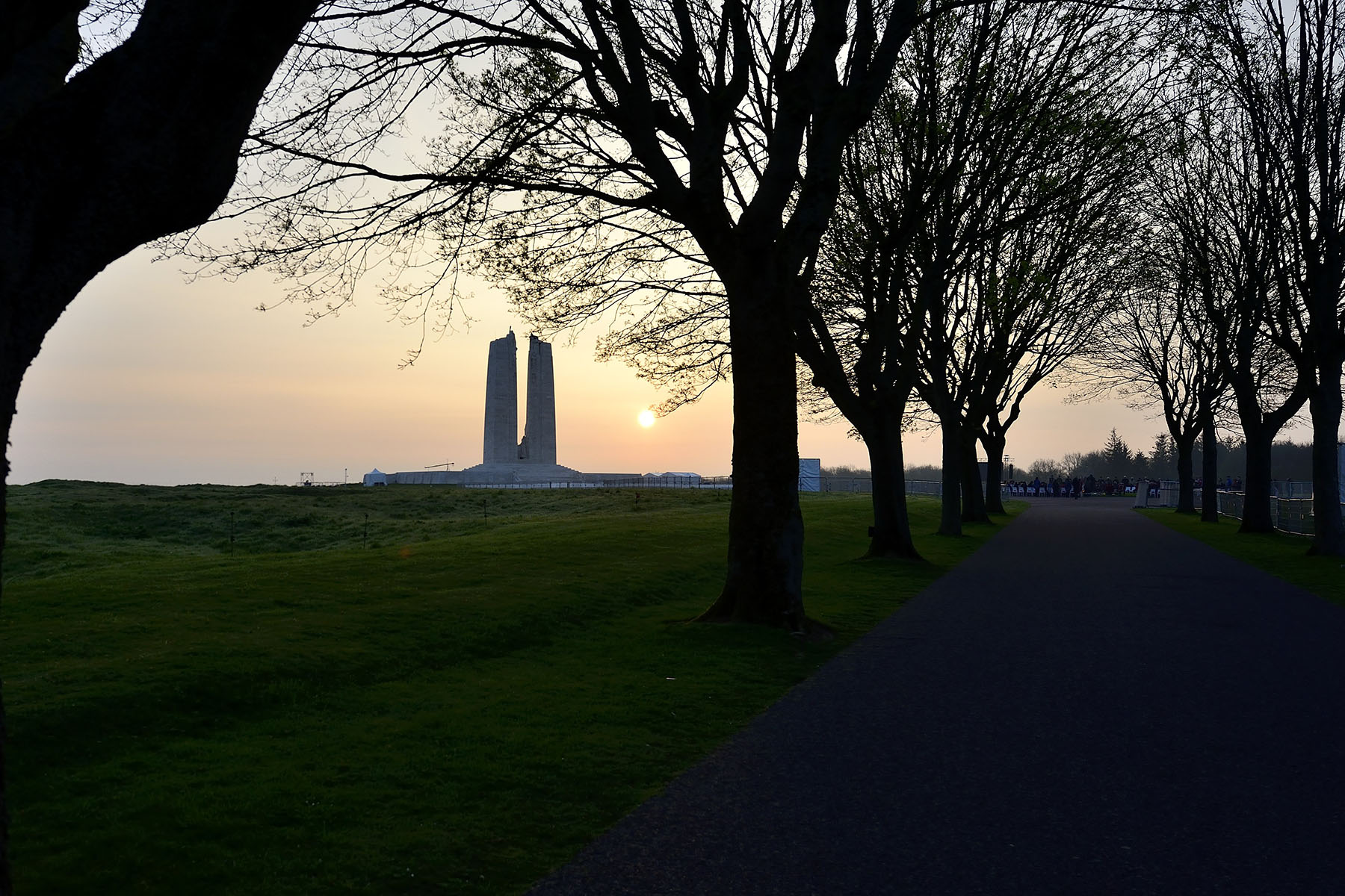 Their Excellencies attended an Indigenous sunrise ceremony at the Canadian National Vimy Memorial. It featured ritualistic acts such as smudging, singing and dancing.