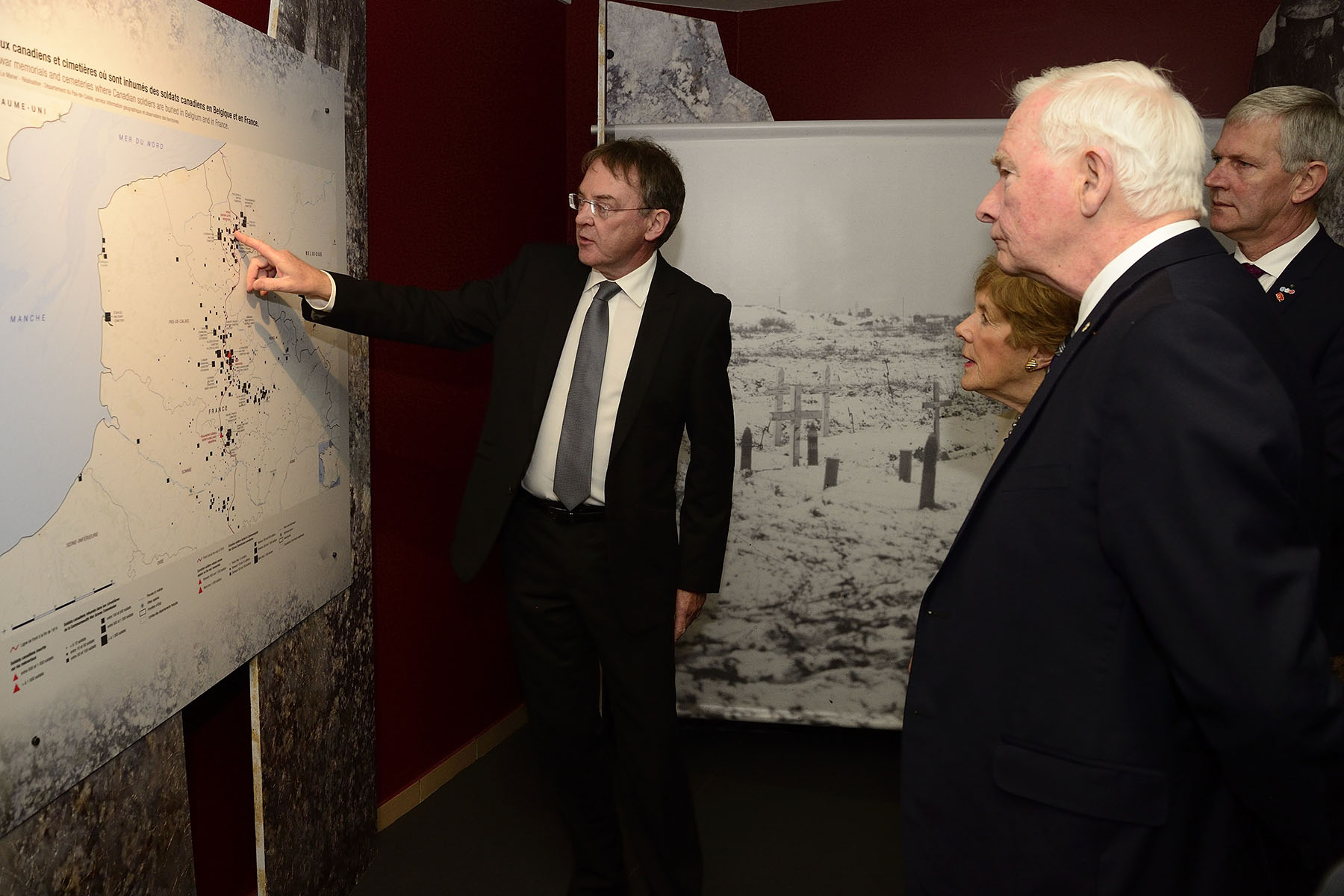 Their Excellencies participated in the opening of Vimy 1917: Canadians and the Underground War. Presented by Le Département du Pas-de-Calais and created in partnership with Library and Archives Canada, the exhibit sheds light on a little-known aspect of the Great War: the underground war fought by Canadian soldiers. The three-dimensional model depicts the underground cavities dug in Artois and Picardy by some 800 Canadian soldiers trying to shield themselves from the deadly force of the artillery. While they waited between assaults, the soldiers left their mark in the form of graffiti and sculptures etched into the chalk walls.