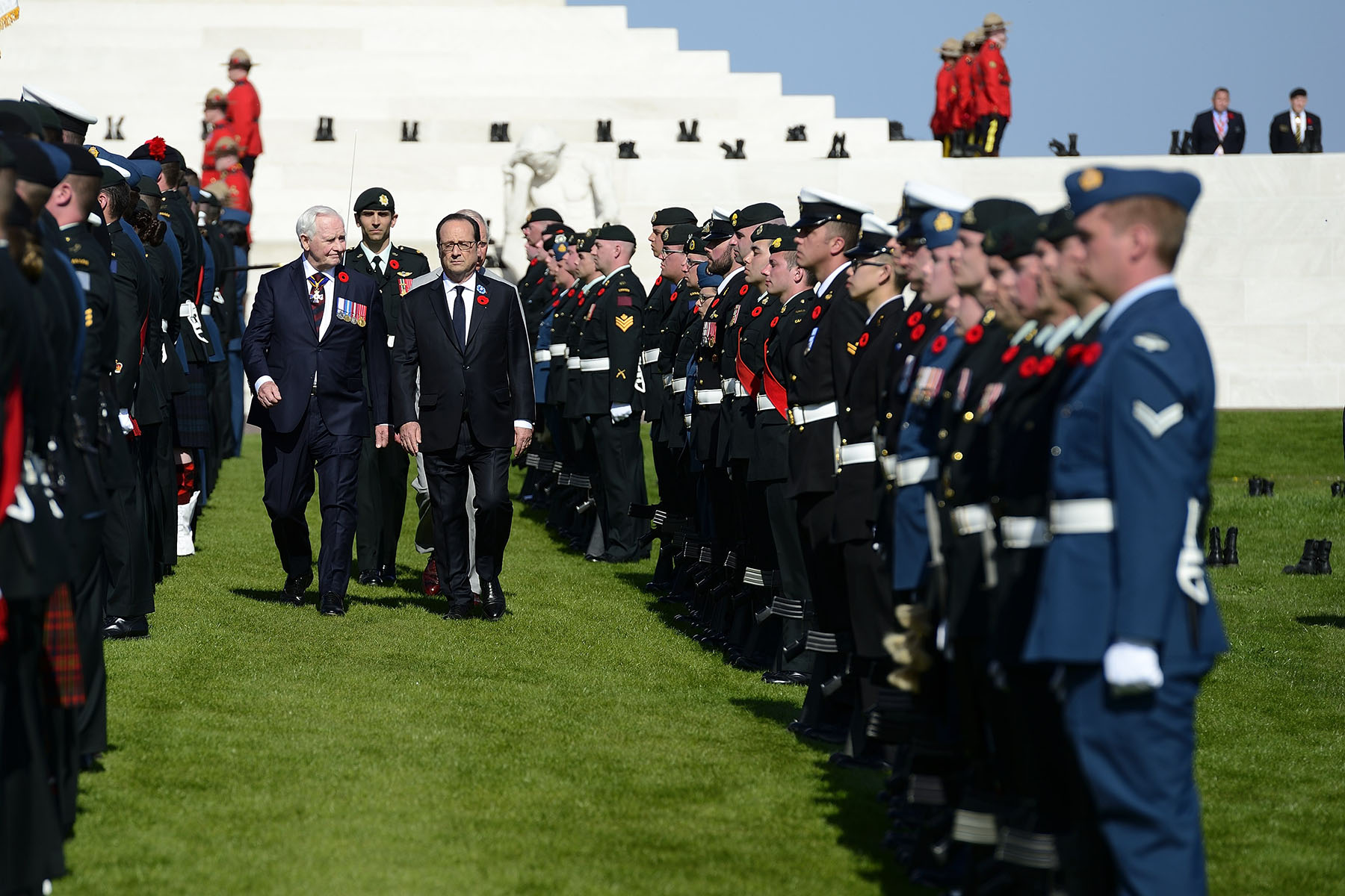 The Governor General, The Prince of Wales and the President of the French Republic reviewed the Canadian Armed Forces Contingent, made up of soldiers from the Regiments that hold the Battle of Arras, Vimy and Hill 70 Battle Honours.