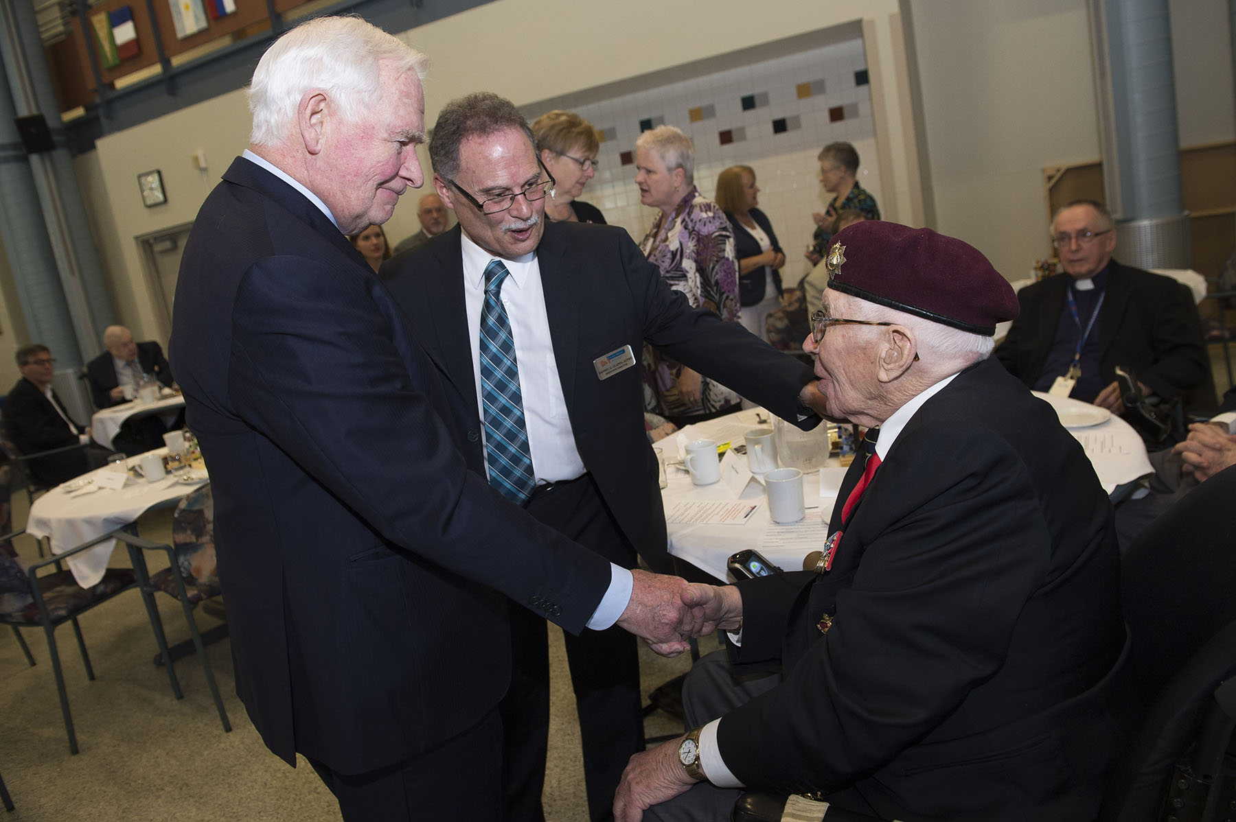 The Perley and Rideau Veterans' Health Centre is one of the largest long-term care homes in Ontario, with 200 beds for seniors from the community alongside 250 beds for veterans. With a staff of more than 800 supported by approximately 400 volunteers, the Perley Rideau enables all residents and seniors in the neighbouring community to live their lives to the fullest in a safe, supported and cheerful environment.