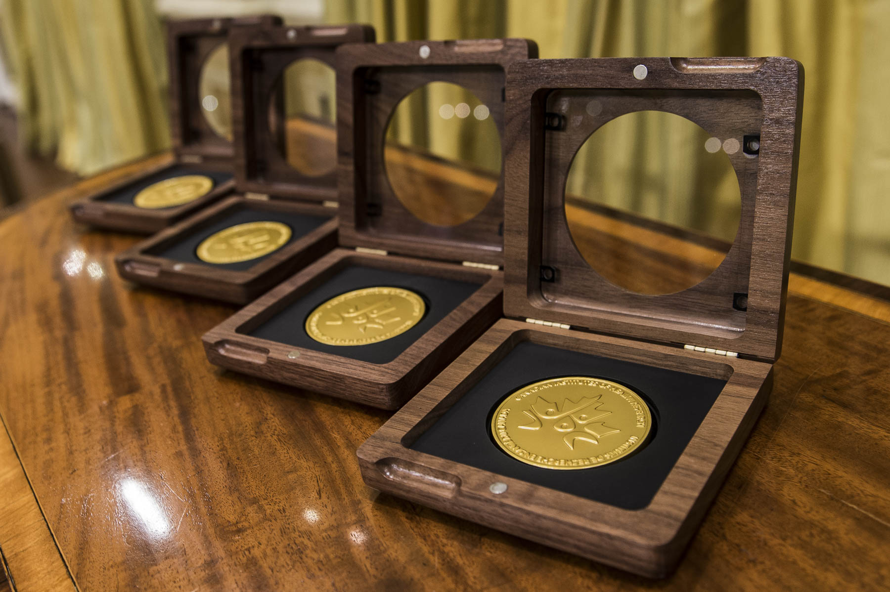 The Governor General presented the Canadian Institutes of Health Research (CIHR) Gold Leaf Prizes for 2016 to four laureates during a ceremony at Rideau Hall.