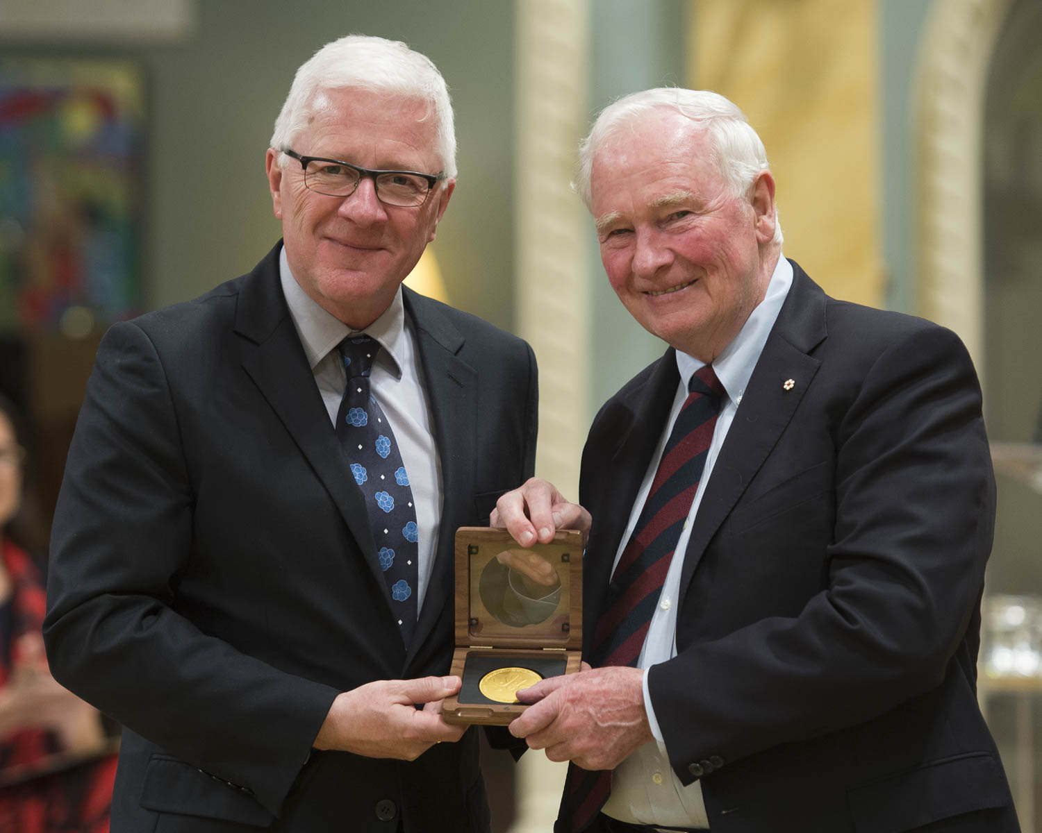 Dr. John Dick received the CIHR Gold Leaf Prize for Discovery. He was recognized for his pioneering work as the first scientist to identify cancer stem cells.