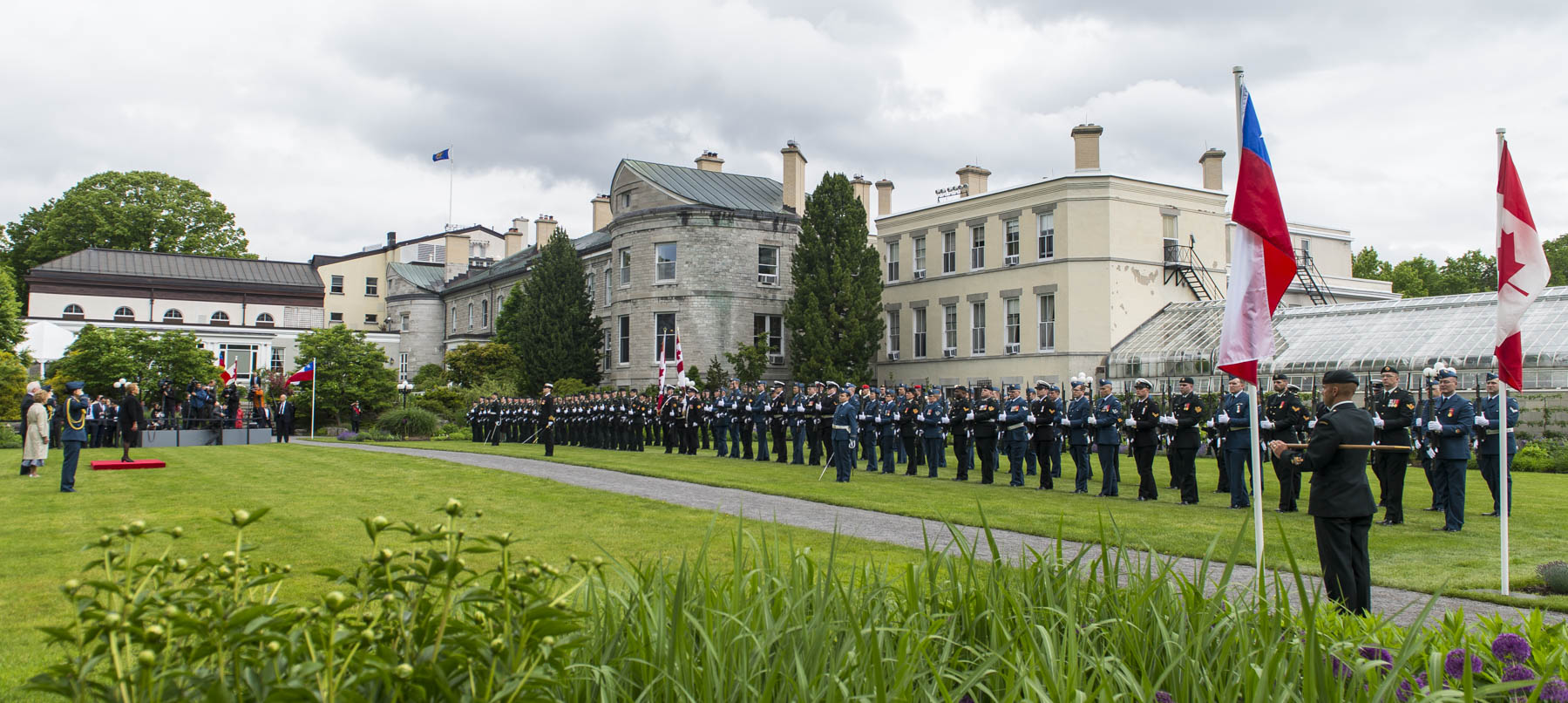 The official residence was a beautiful backdrop for this protocol ceremony.