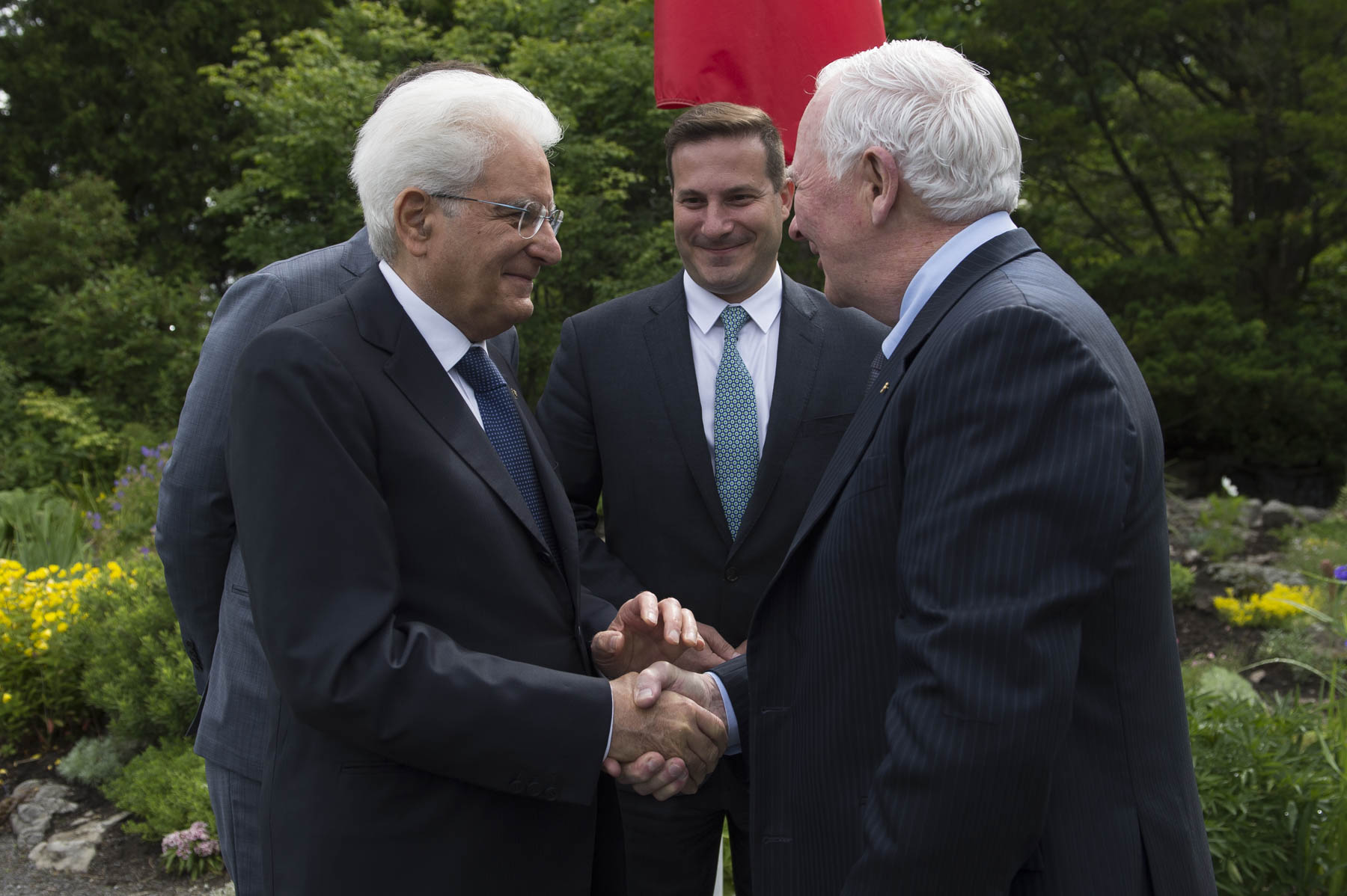 His Excellency the Right Honourable David Johnston, Governor General of Canada, welcomed His Excellency Sergio Mattarella, President of the Italian Republic, to Rideau Hall, on June 27, 2017, on the occasion of the President's State visit to Canada.