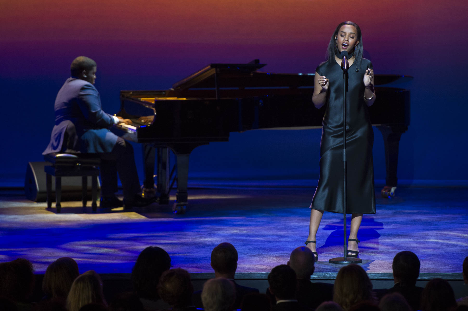 Singer Ruth B. sang Coming Home tp pay tribute to Michael Bublé.