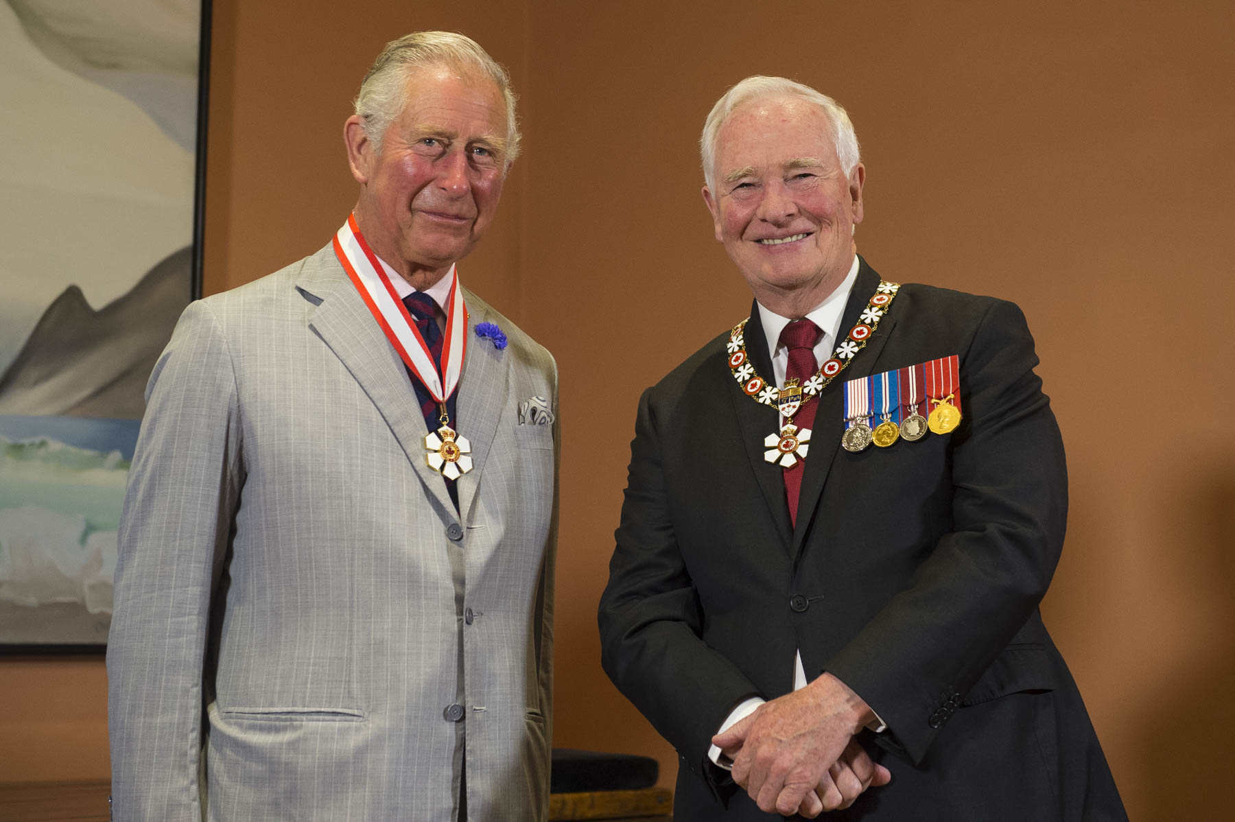 His Excellency the Right Honourable David Johnston, Governor General of Canada, presented the insignia of Companion of the Order of Canada to His Royal Highness The Prince of Wales, during a special presentation at Rideau Hall. This ceremony was held as part of the 2017 Royal Tour.