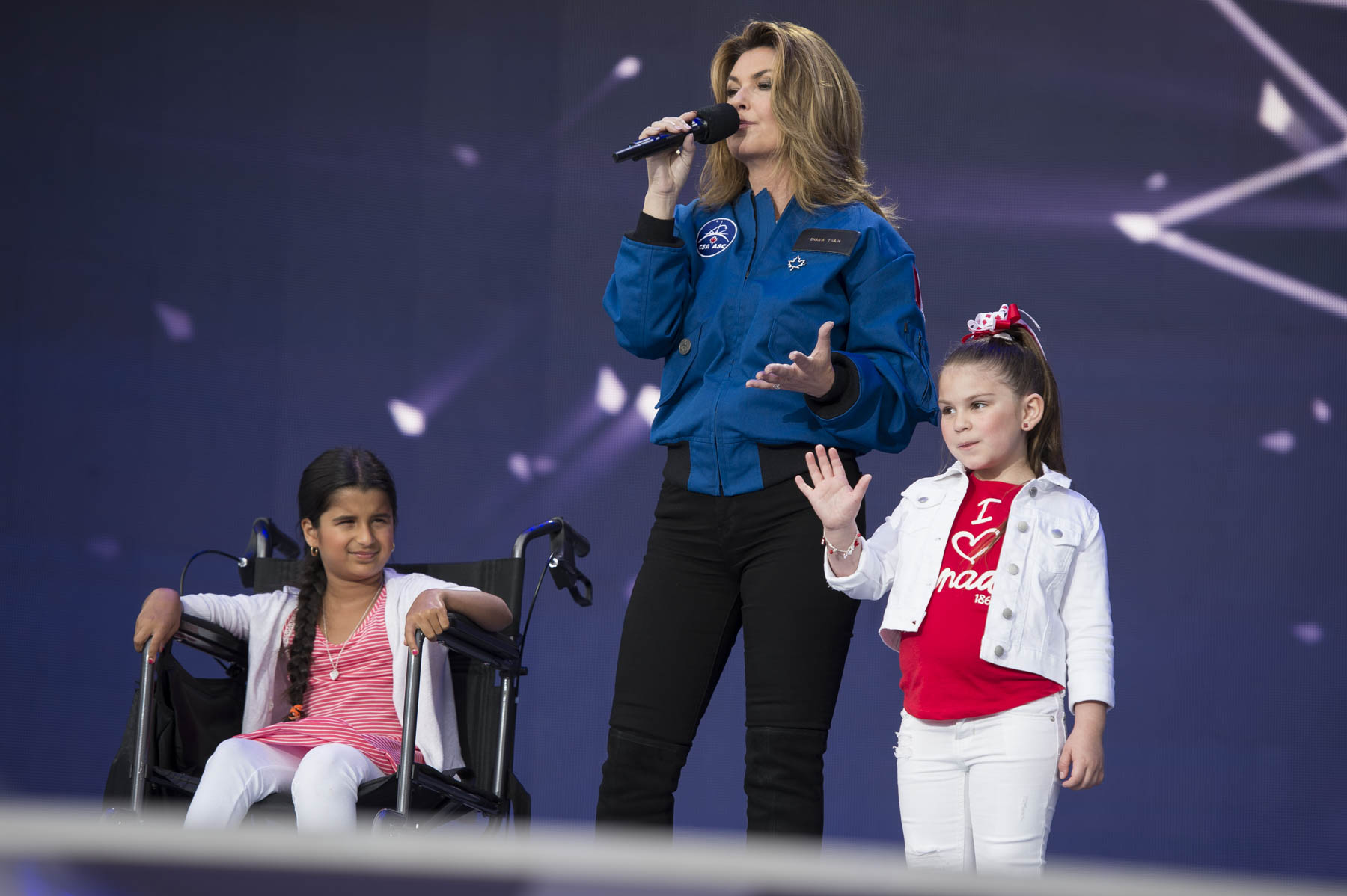 Shania Twain participated in the introduction of two new astronauts.