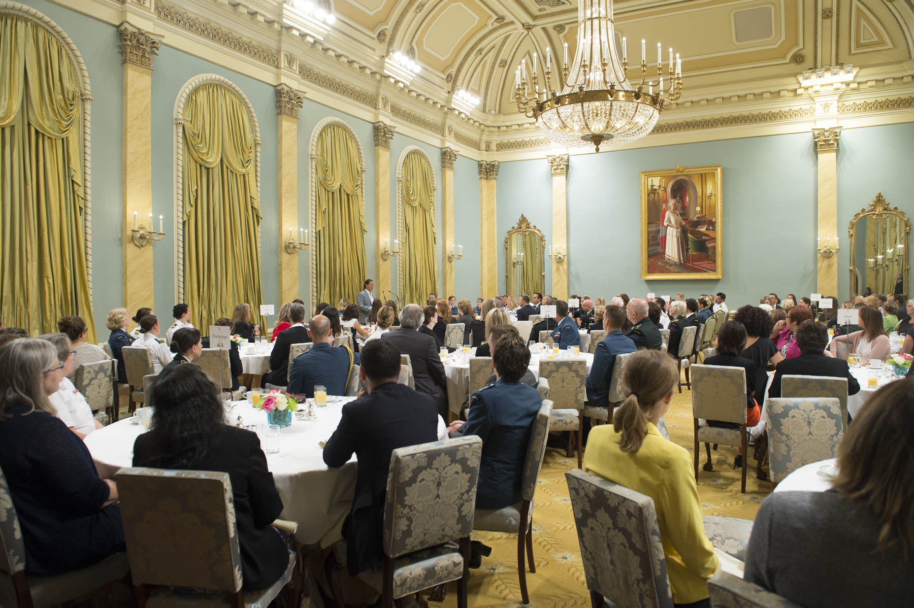 Her Excellency Sharon Johnston hosted the Canadian Forces Morale and Welfare Services Executive Women's Breakfast at Rideau Hall on August 18, 2017.  The event served to recognize the significant contribution of women in the Canadian Armed Forces and the importance of mental wellness.
