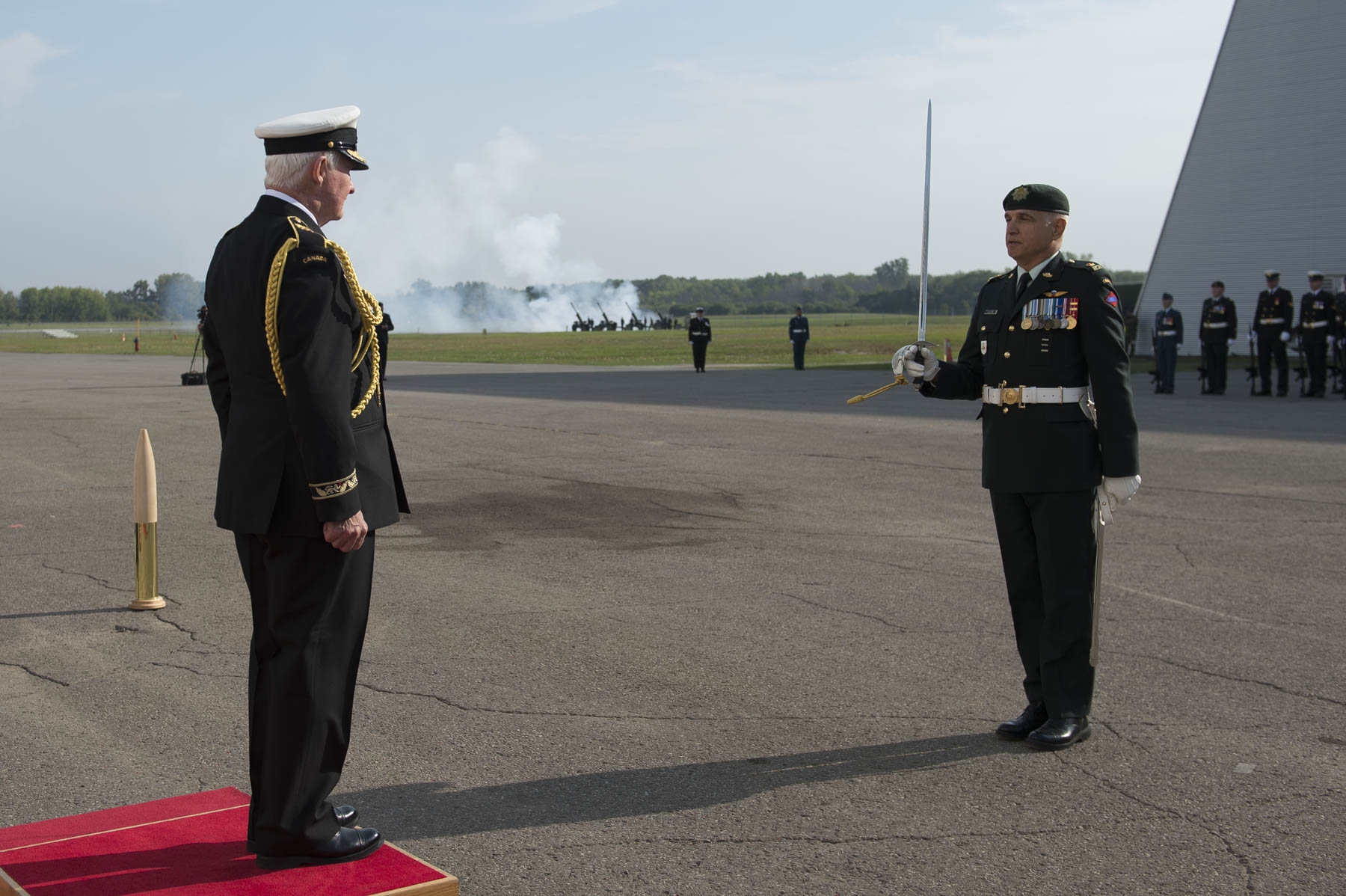The Governor General received military honours including a 100-member guard of honour, a general salute, a CF-18 flypast and 21-gun salute.