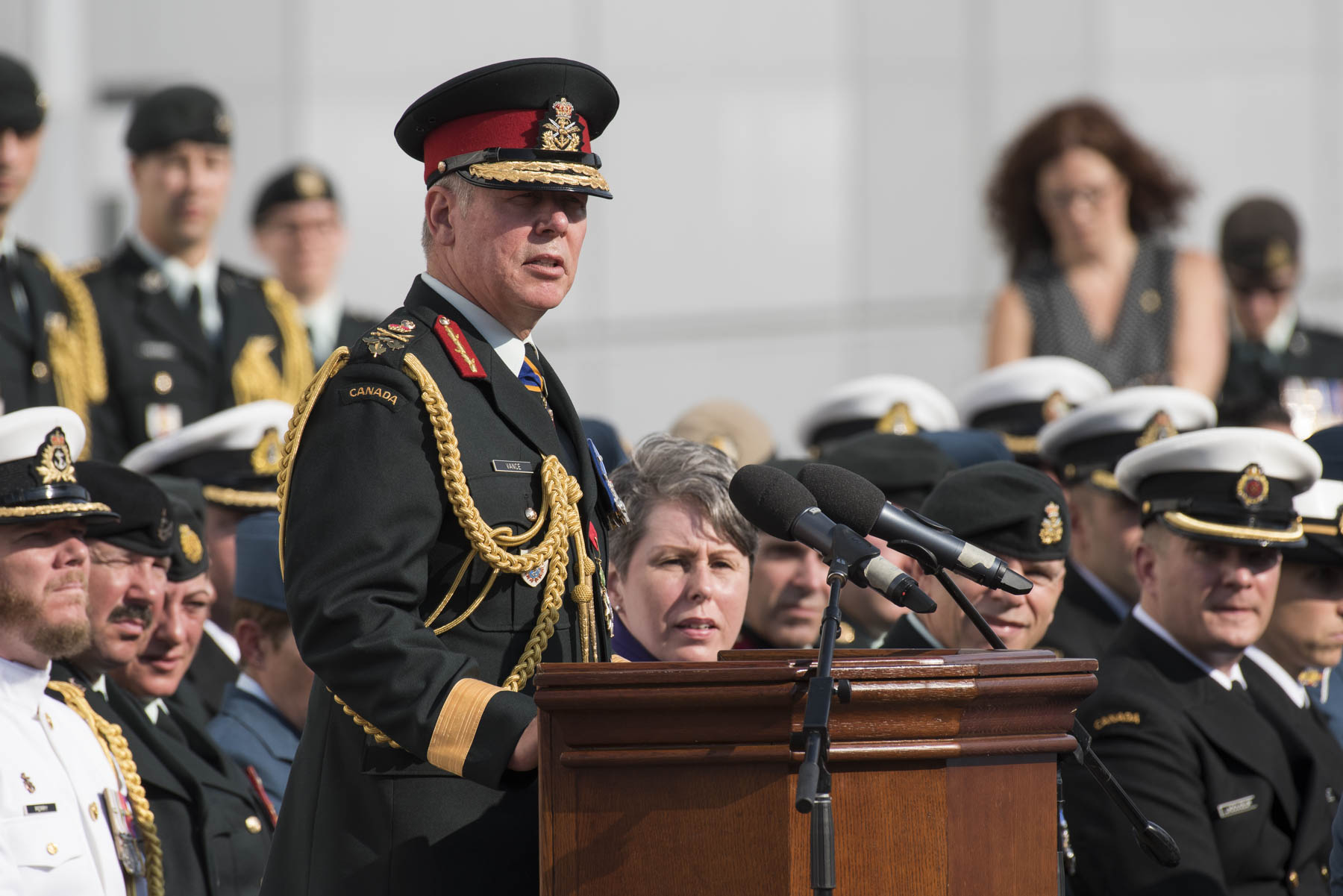 General Jonathan Vance, Chief of the Defence Staff, welcomed those in attendance and invited His Excellency to the podium.