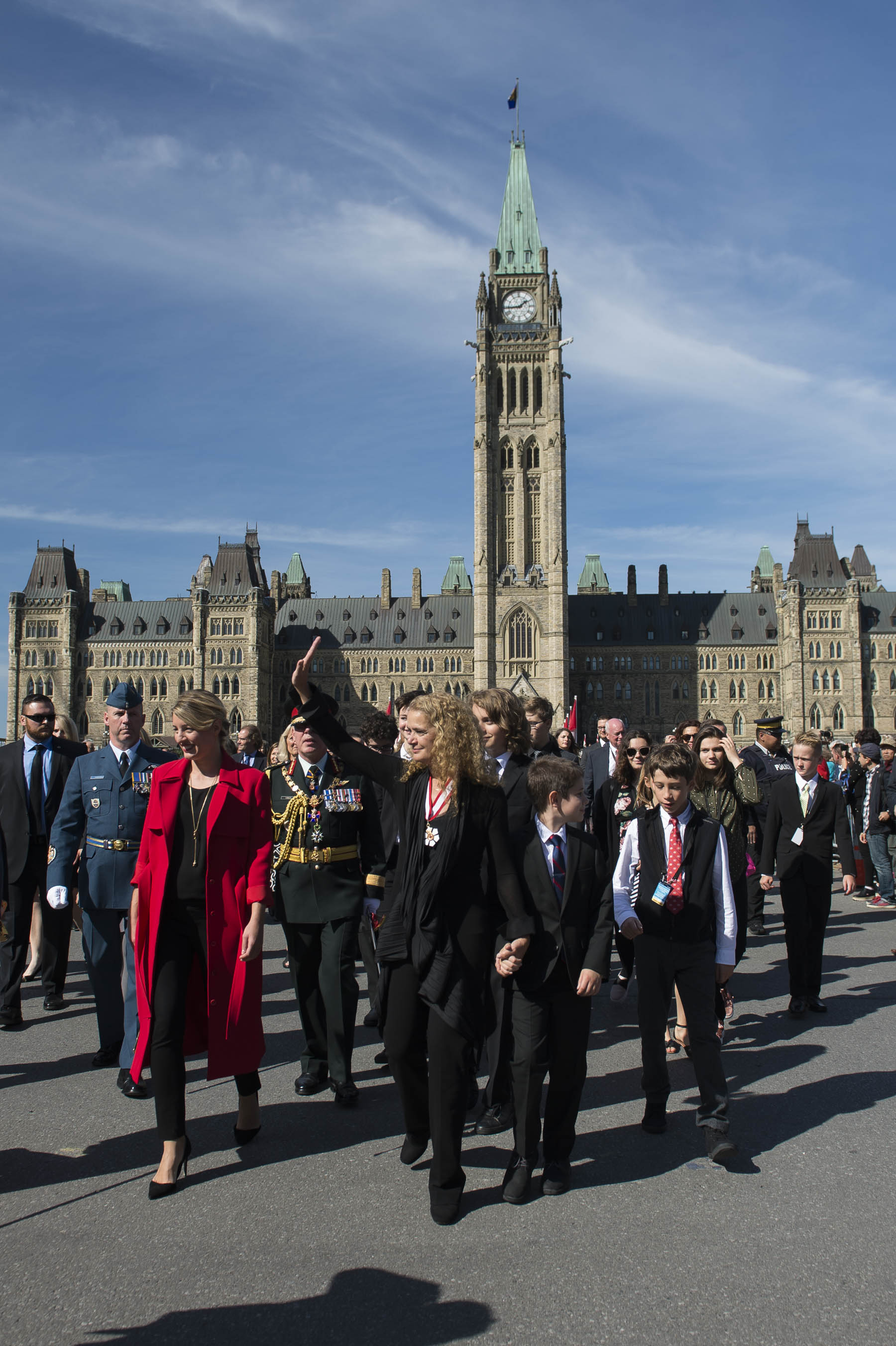 Her Excellency then walked from Parliament Hill to the National War Memorial.