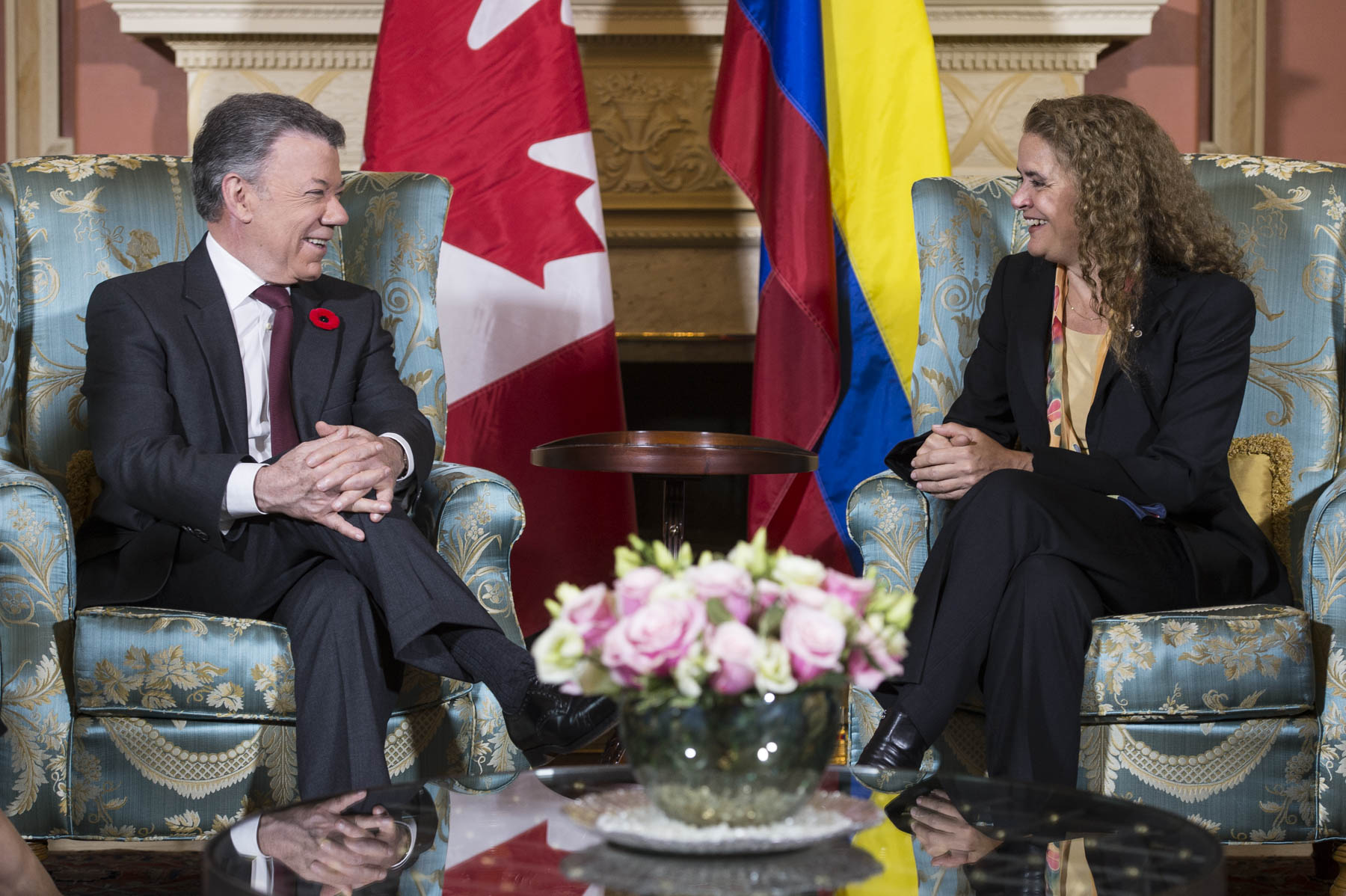 Following the welcoming ceremony, the Governor General and the President had a meeting inside the residence.