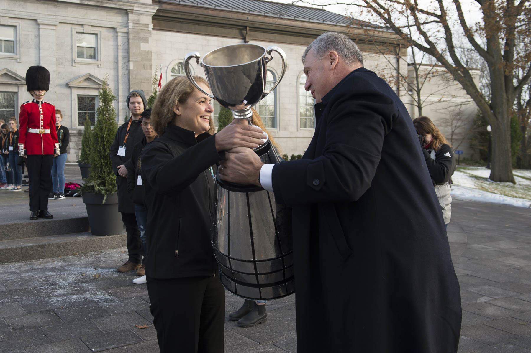 On the occasion of the 105th Grey Cup Championship Game, taking place this year in Ottawa, Governor General Julie Payette welcomed the Grey Cup at Rideau Hall, on November 21, 2017.
