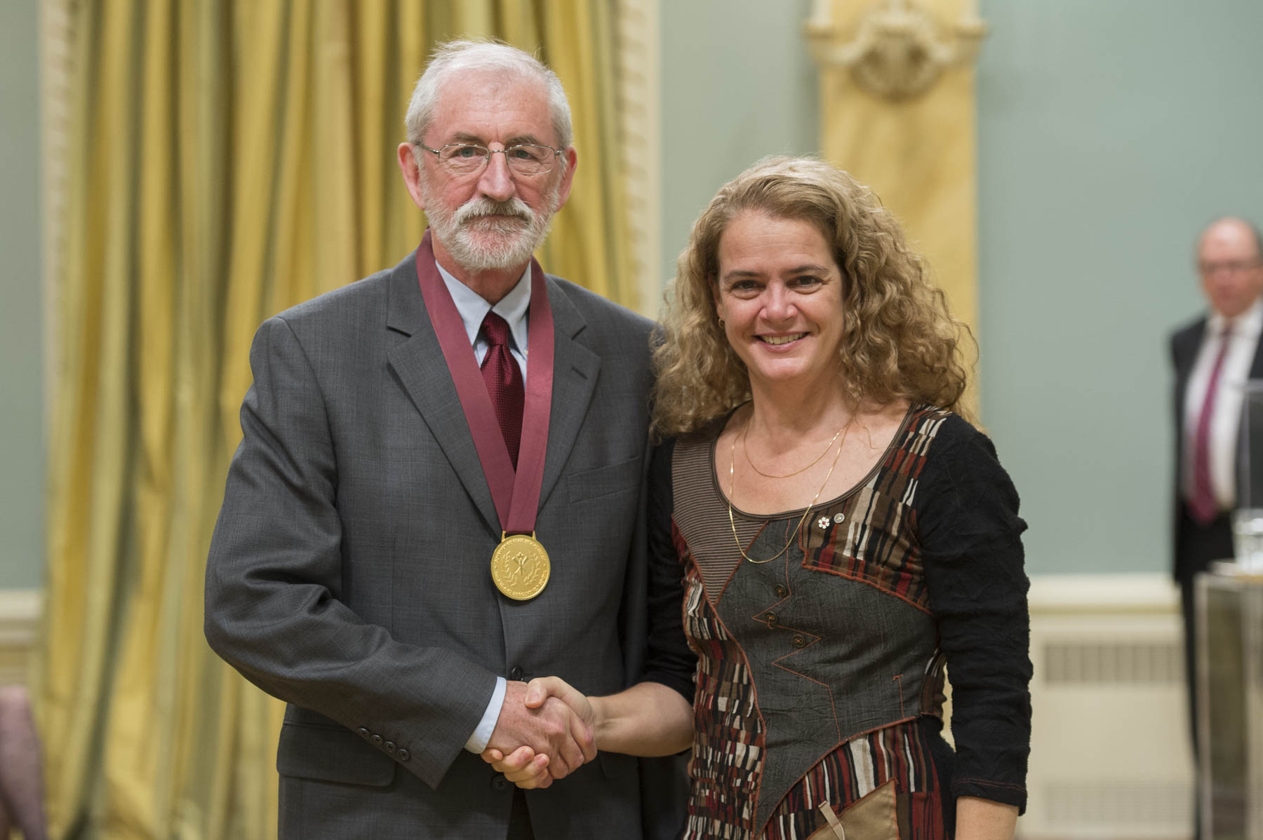 Her Excellency presented the Governor General's History Award for Popular Media (Pierre Berton Award) to Daniel Francis from North Vancouver, British-Columbia, for bringing Canadian history to a wider audience.