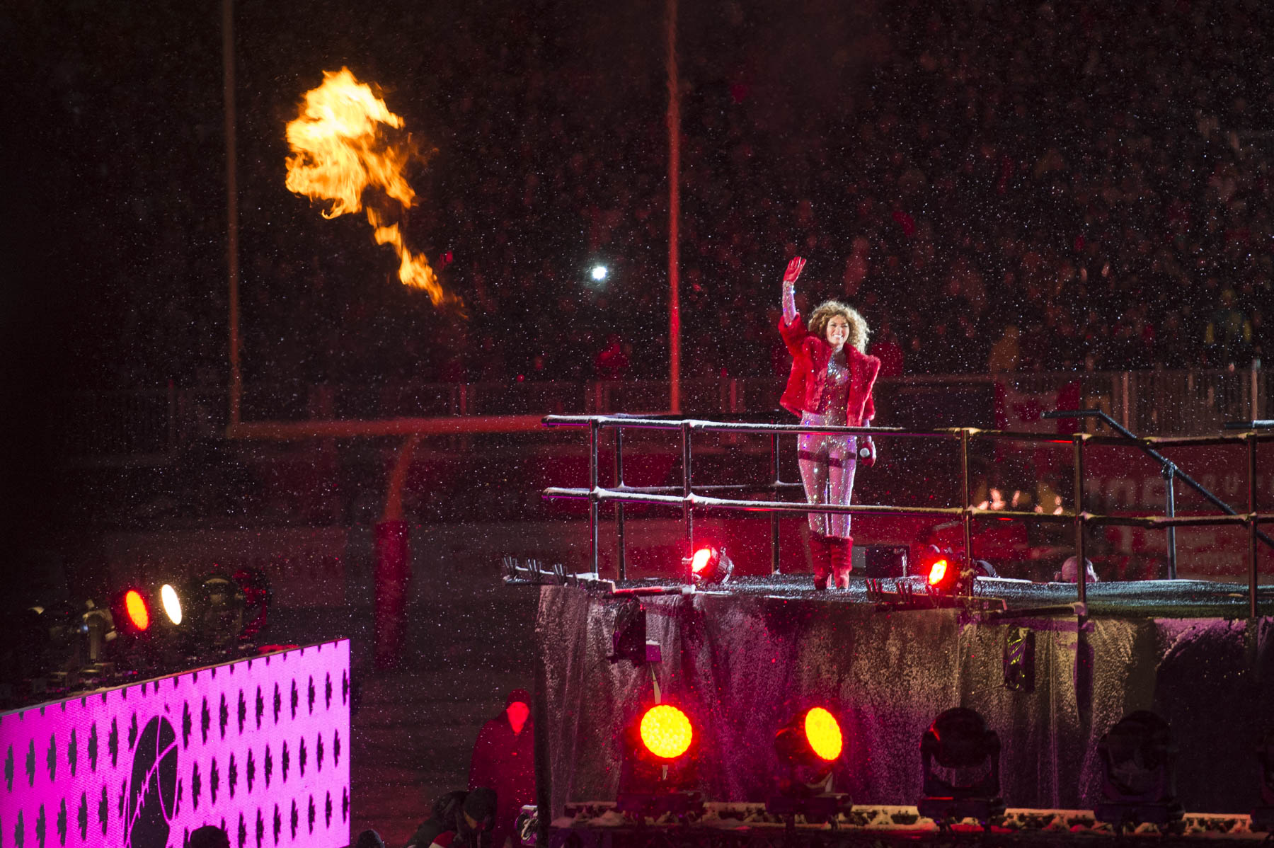 Canadian singer Shania Twain performed at the halftime show.