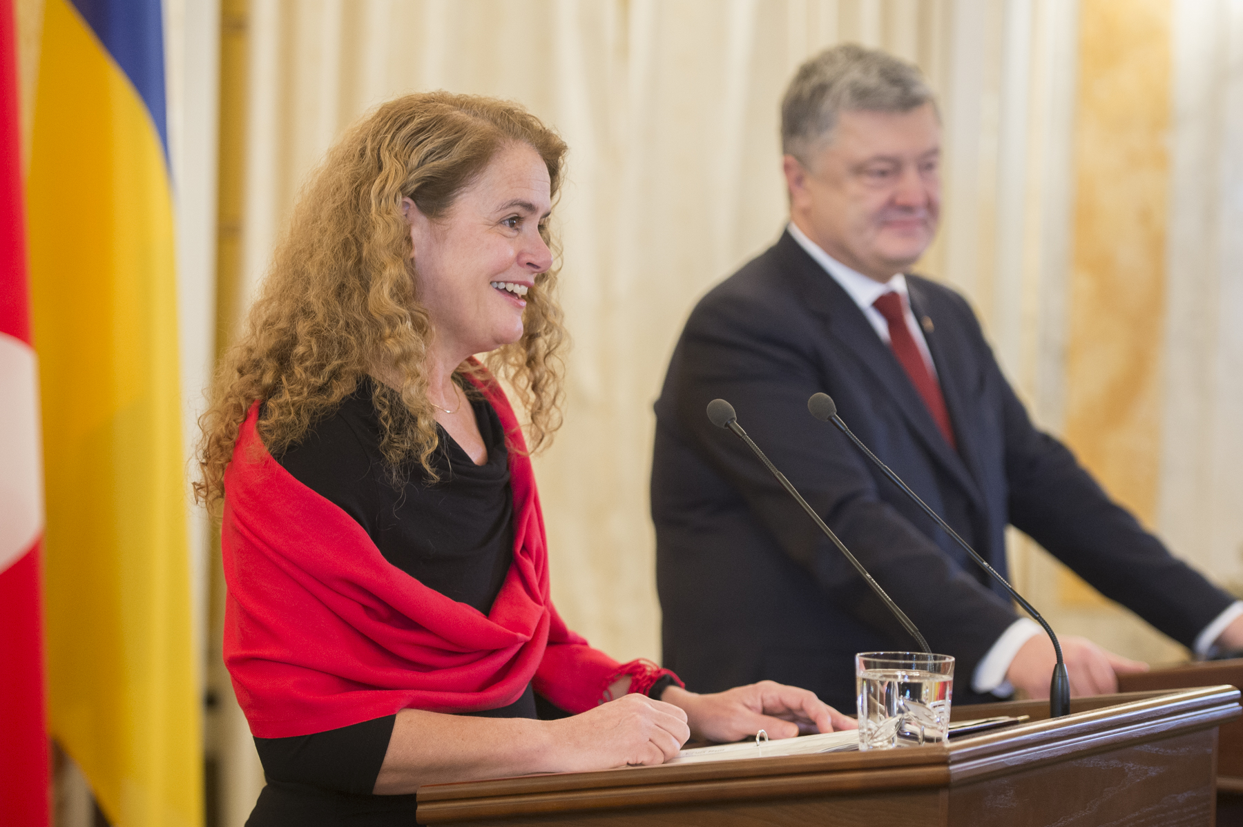 After the meeting, both the Governor General and President Poroshenko delivered statements to the media. Her Excellency's declaration provided an opportunity to reaffirm Canada's support for Ukraine.