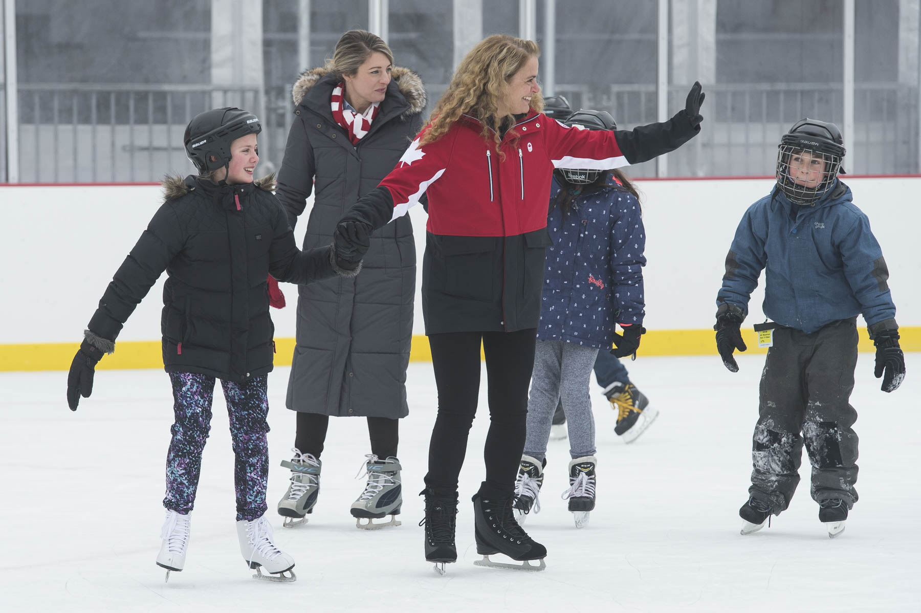 After the official portion of the ceremony, Her Excellency and members of the public skated on the rink.