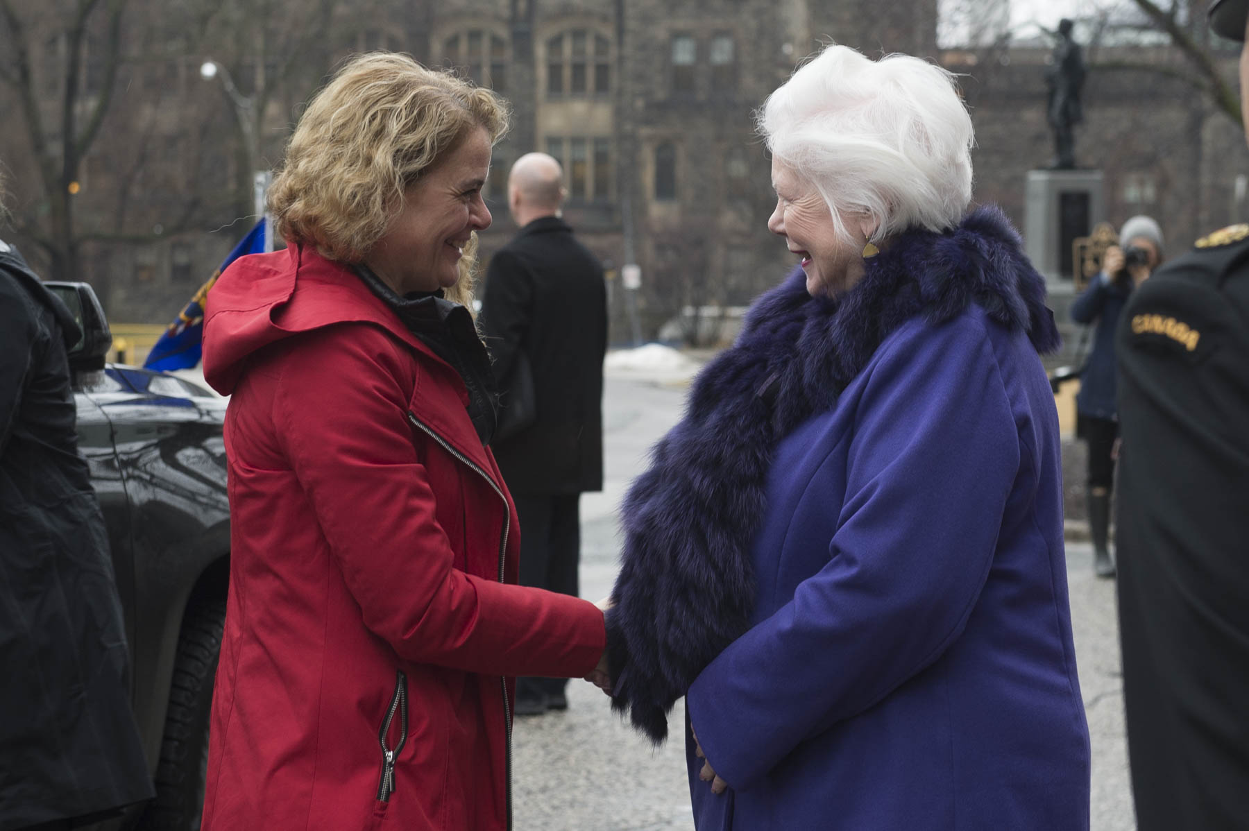 Upon arrival in Toronto, the Governor General was greeted by Her Honour the Honourable Elizabeth Dowdeswell, Lieutenant Governor of Ontario outside of Queen's Park.