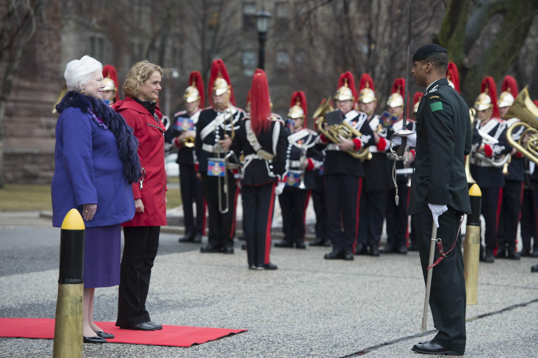 "As part of the official welcoming ceremony, Her Excellency received military honours which included a 100-person guard of honour, the ""Viceregal Salute"" and a 21-gun salute from 
