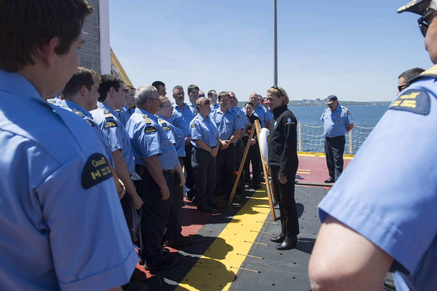 On board, Her Excellency toured the vessel and learned about search and rescue operations.