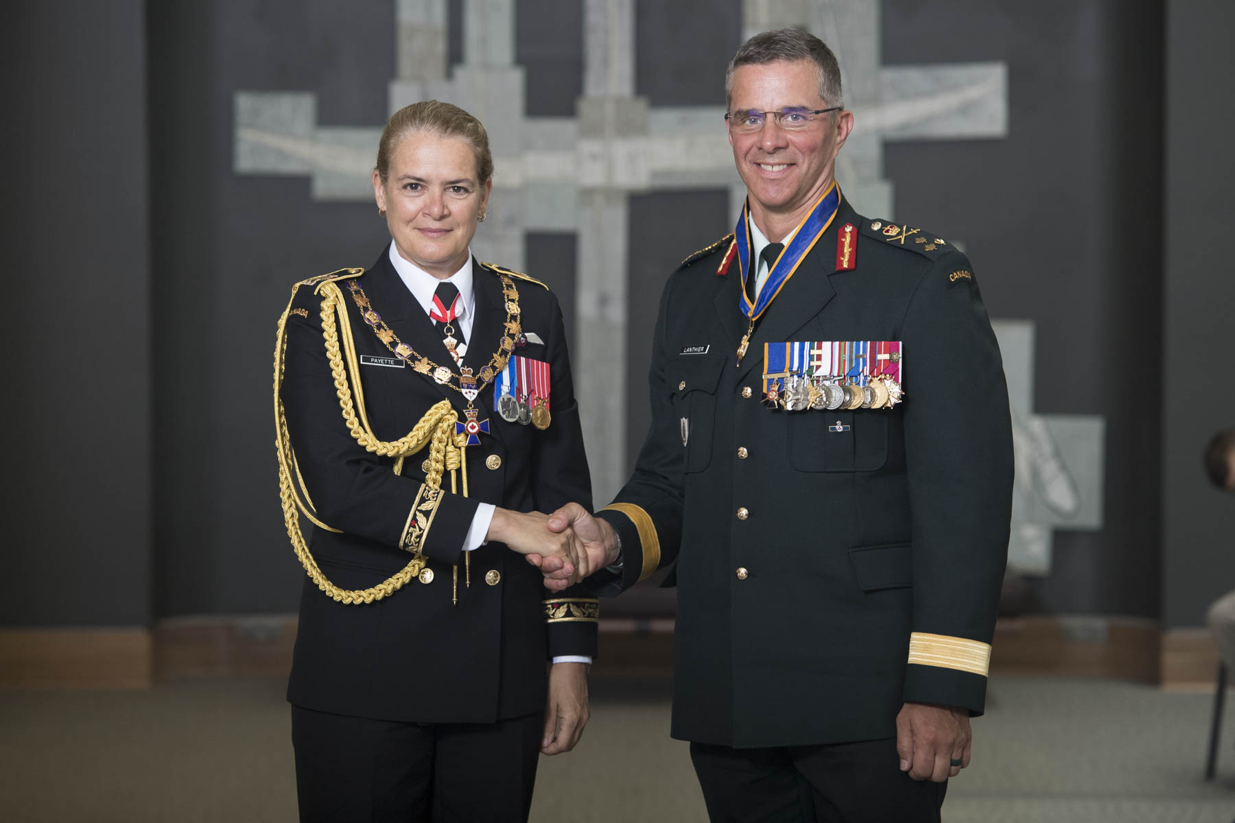 Her Excellency bestowed the honour of Commander of the Order of Military Merit upon Lientenant-General Jean-Marc Lanthier, C.M.M., M.S.C., M.S.M., C.D.