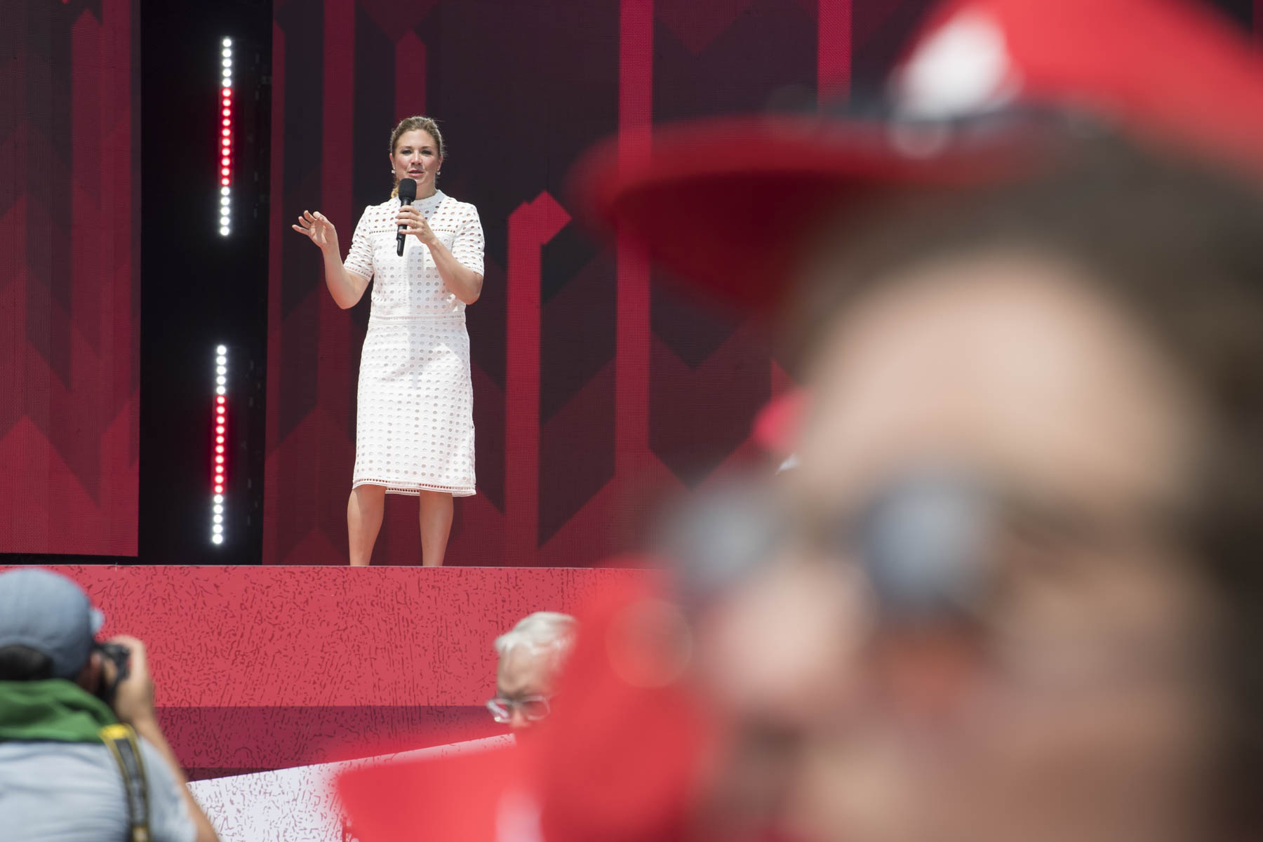 Sophie Grégoire Trudeau addressed Canadians and presented her husband the Right Honourable Justin Trudeau, Prime Minister of Canada, live from Leamington Ontario.