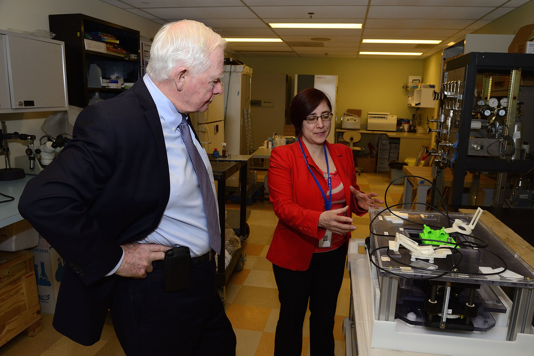 In the afternoon, the Governor General visited the Thunder Bay Regional Research Institute to learn about the facility's innovative practices.