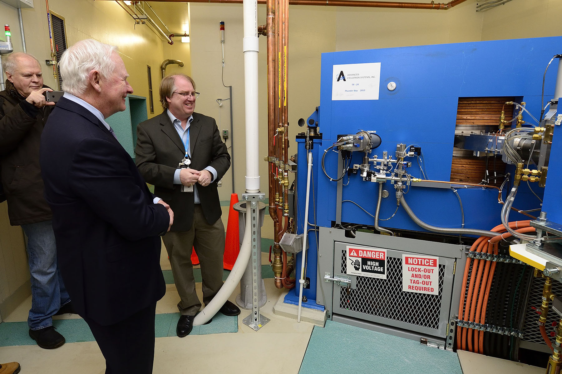 His Excellency visited the cyclotron, which creates medical isotopes used in cancer treatment.