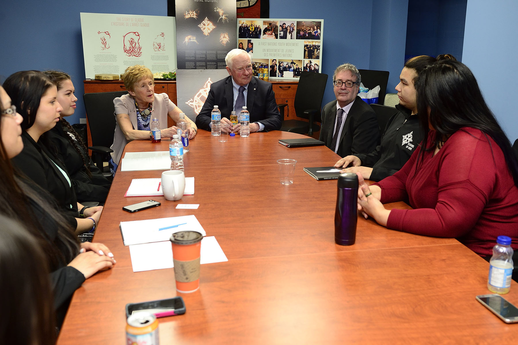 Their Excellencies also met with youth leaders involved with Feathers of Hope to hear about their mobilization efforts to bring Aboriginal young people together to address the key issues identified in Feathers of Hope: a First Nations Youth Action Plan.