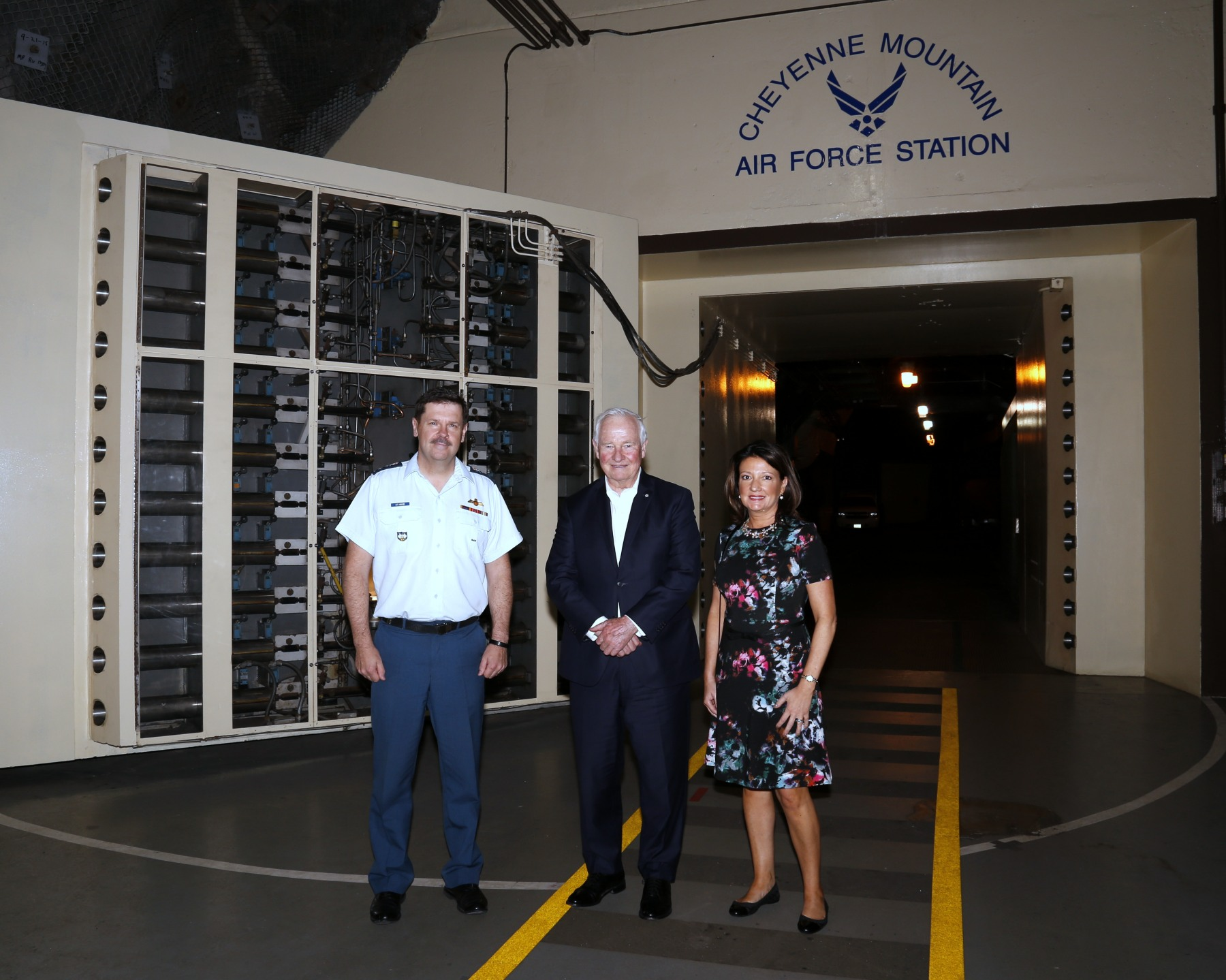 As commander-in-chief of Canada, the Governor General, through this visit, reinforced the importance of this binational Canadian and American command that provides aerospace warning and control, as well as maritime warning, for Canada and the U.S.