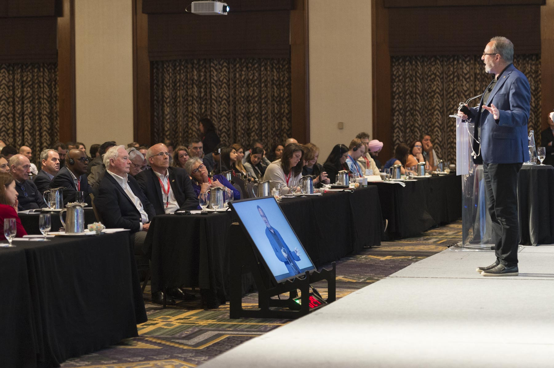 His Excellency attended the plenary sessions on the first day of the Governor General's Canadian Leadership Conference (GGCLC) in Whistler, le 3 juin 2017.