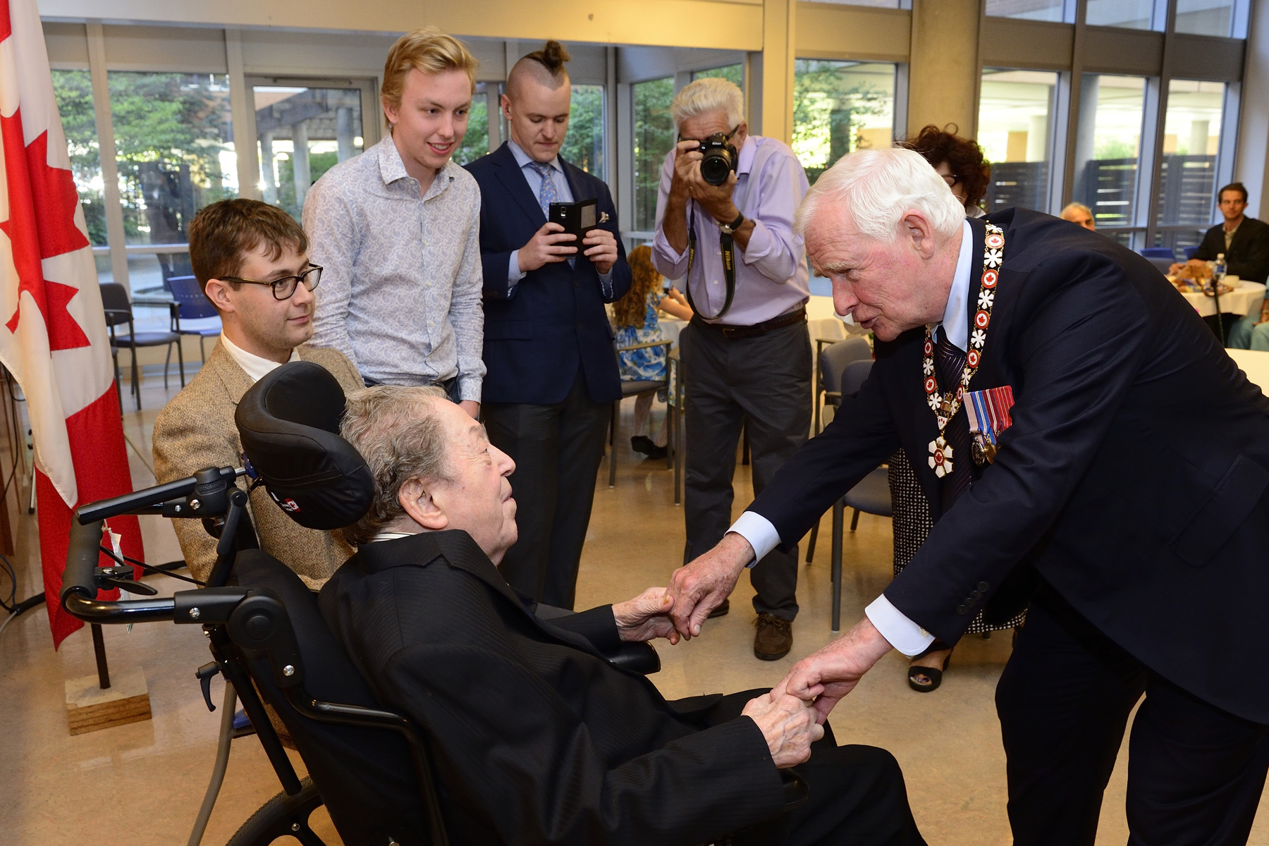 In the evening, the Governor General presented the insignia of Member of the Order of Canada to Eli Kassner during a ceremony at Baycrest Health Sciences Centre.