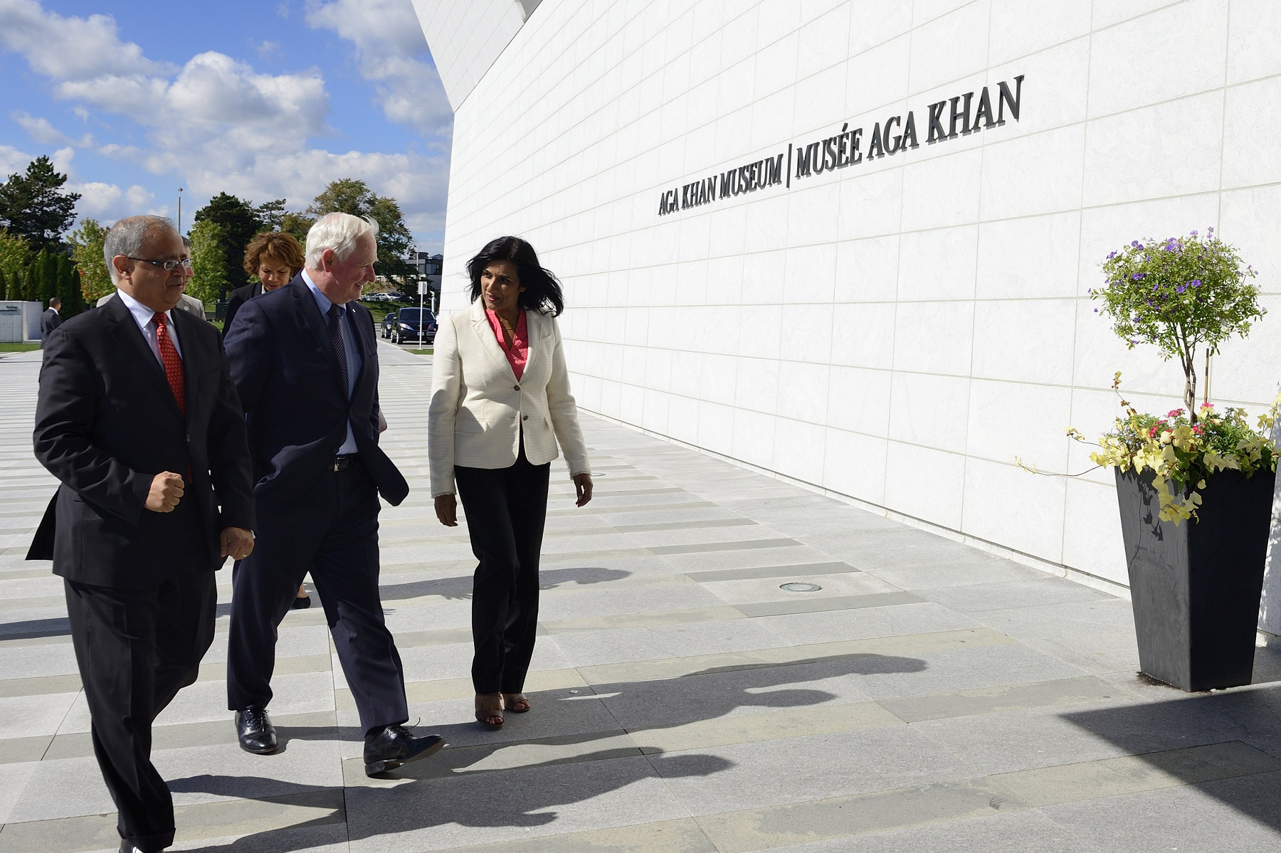 In the afternoon, the Governeur General visited the Aga Khan Museum in Toronto.