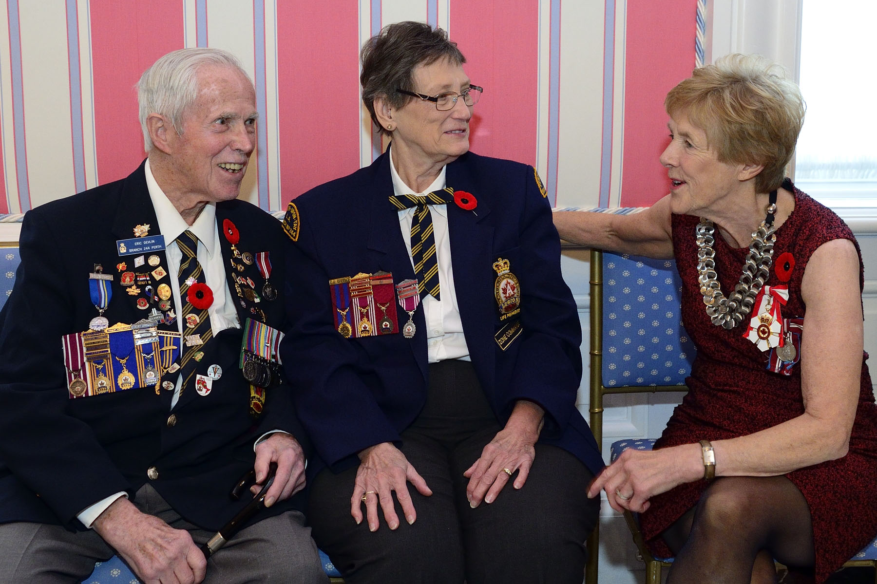 Her Excellency Mrs. Sharon Johnston chatted with members of The Royal Canadian Legion during the reception that followed.