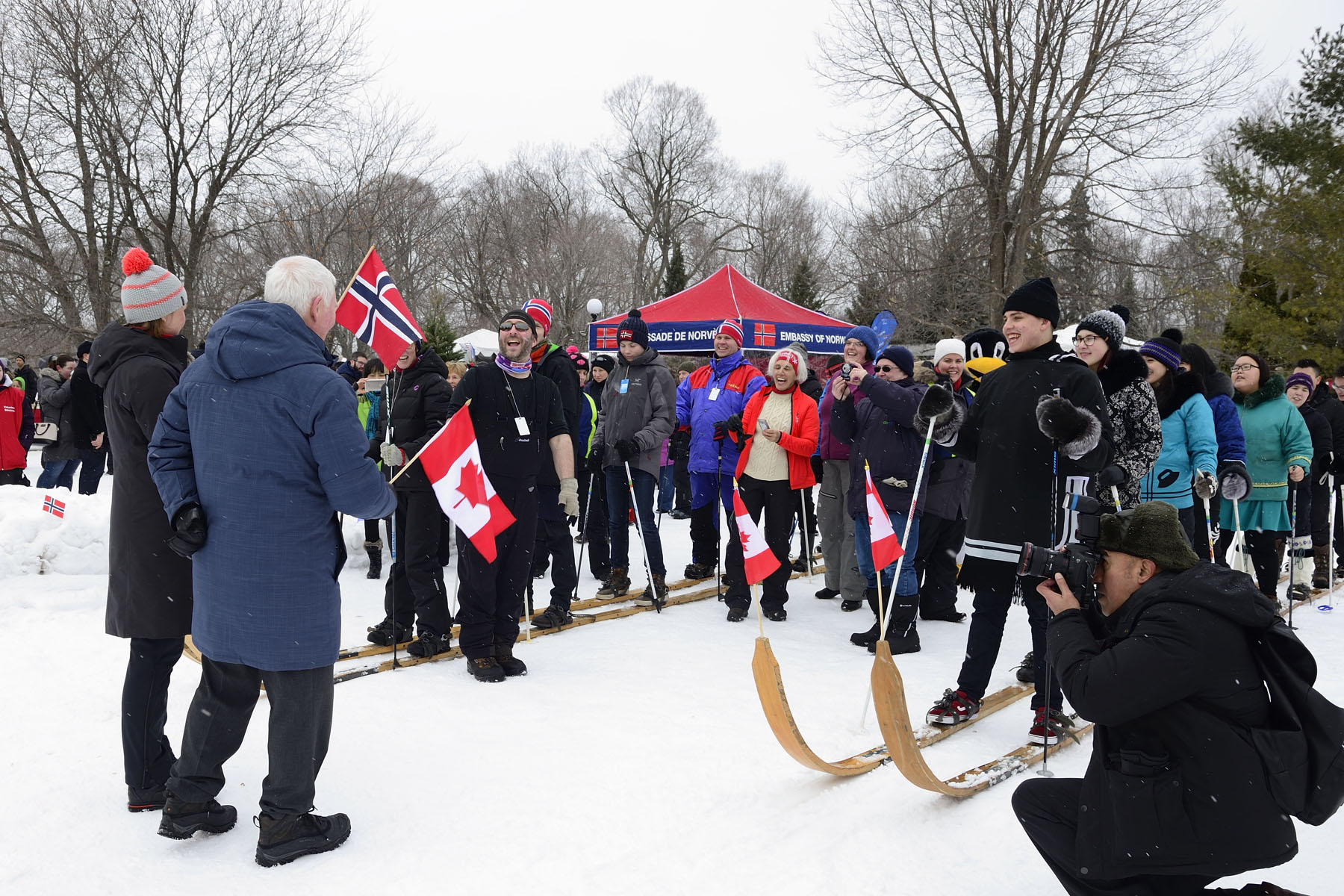Their Excellencies gave the signal to start the giant ski race. The activity was organized by the Royal Norwegian Embassy who is celebrating 75 years of Canada-Norway diplomatic relations in 2017.